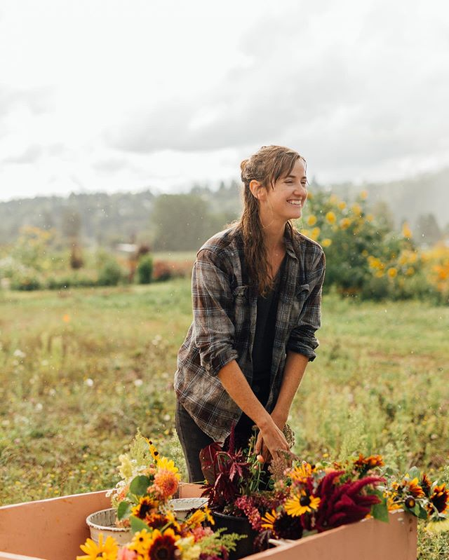 Farming in the PNW often calls for rainy days. But that's doesn't stop the farmers and ranchers from doing their work. @sweet.alyssum.farm was no exception .