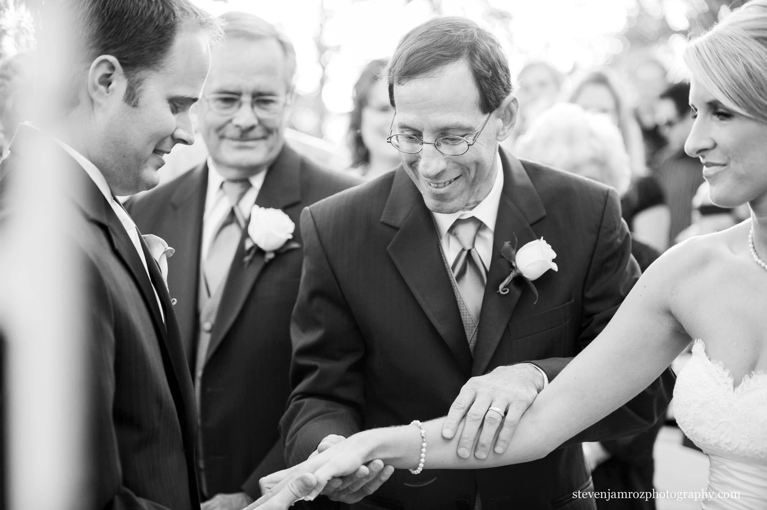 father-hands-off-bride-raleigh-wedding-steven-jamroz-photography-0097.jpg