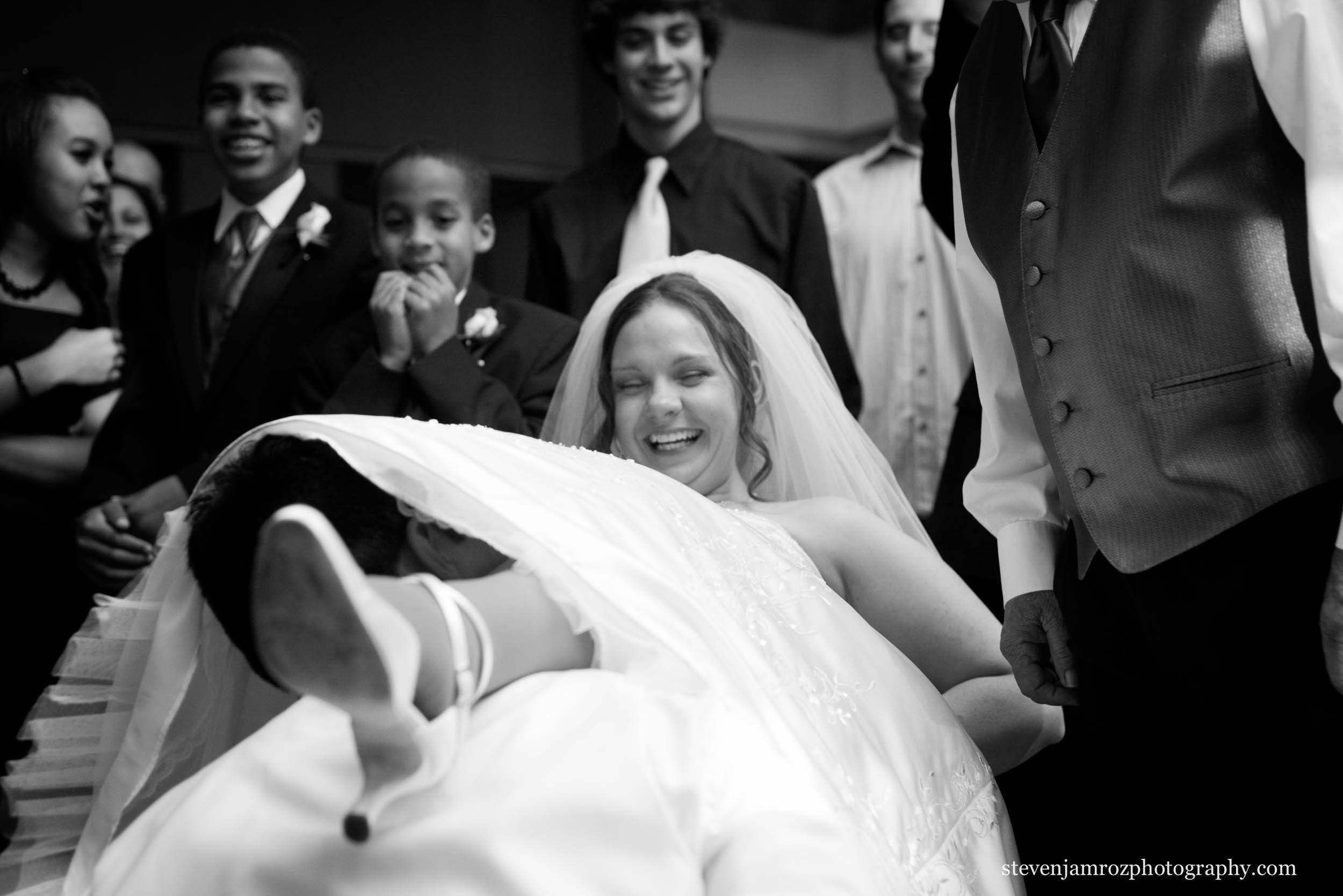 get-the-garter-wedding-raleigh-photographer-0813.jpg