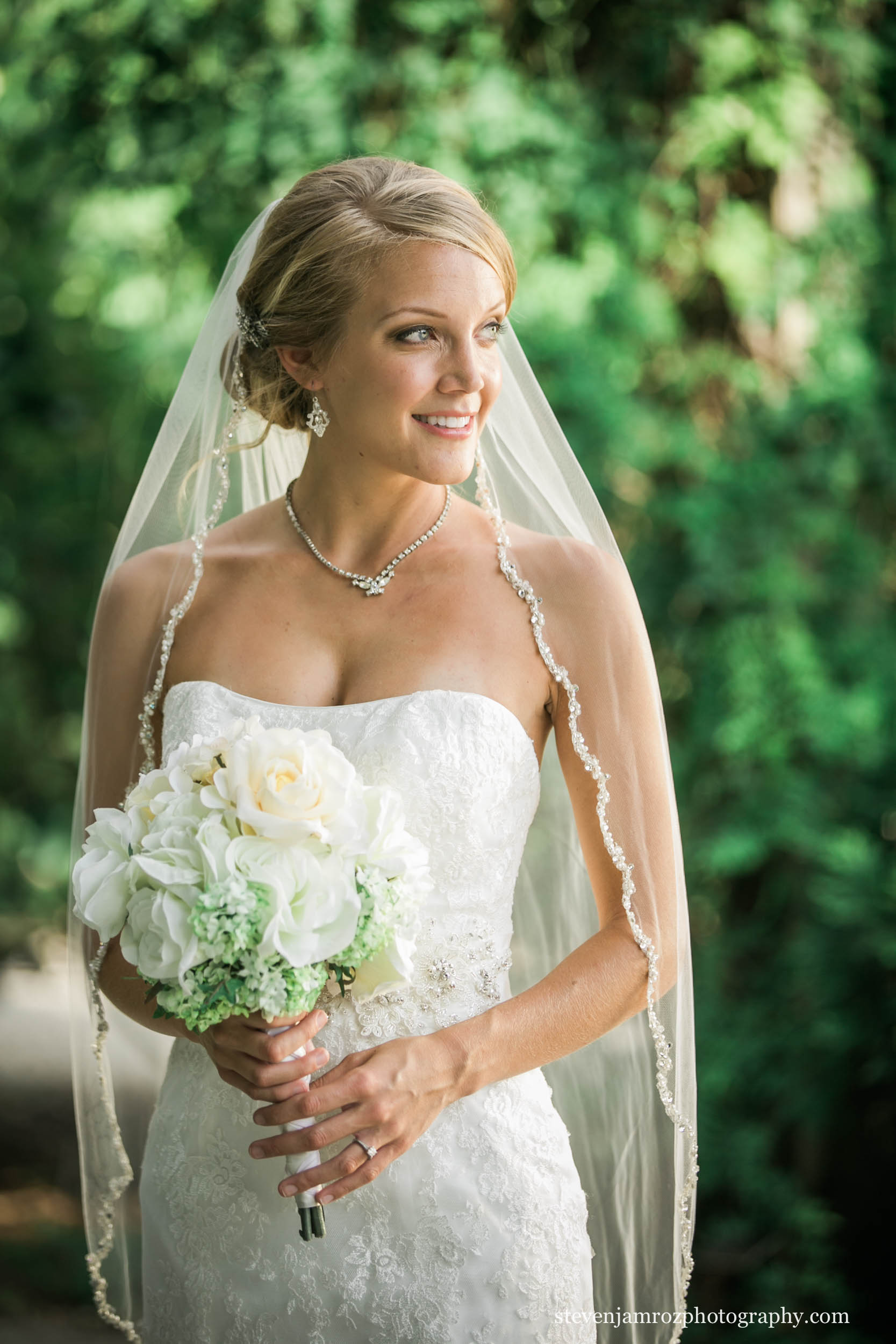 amazing-bride-flowers-steven-jamroz-photography-0114.jpg