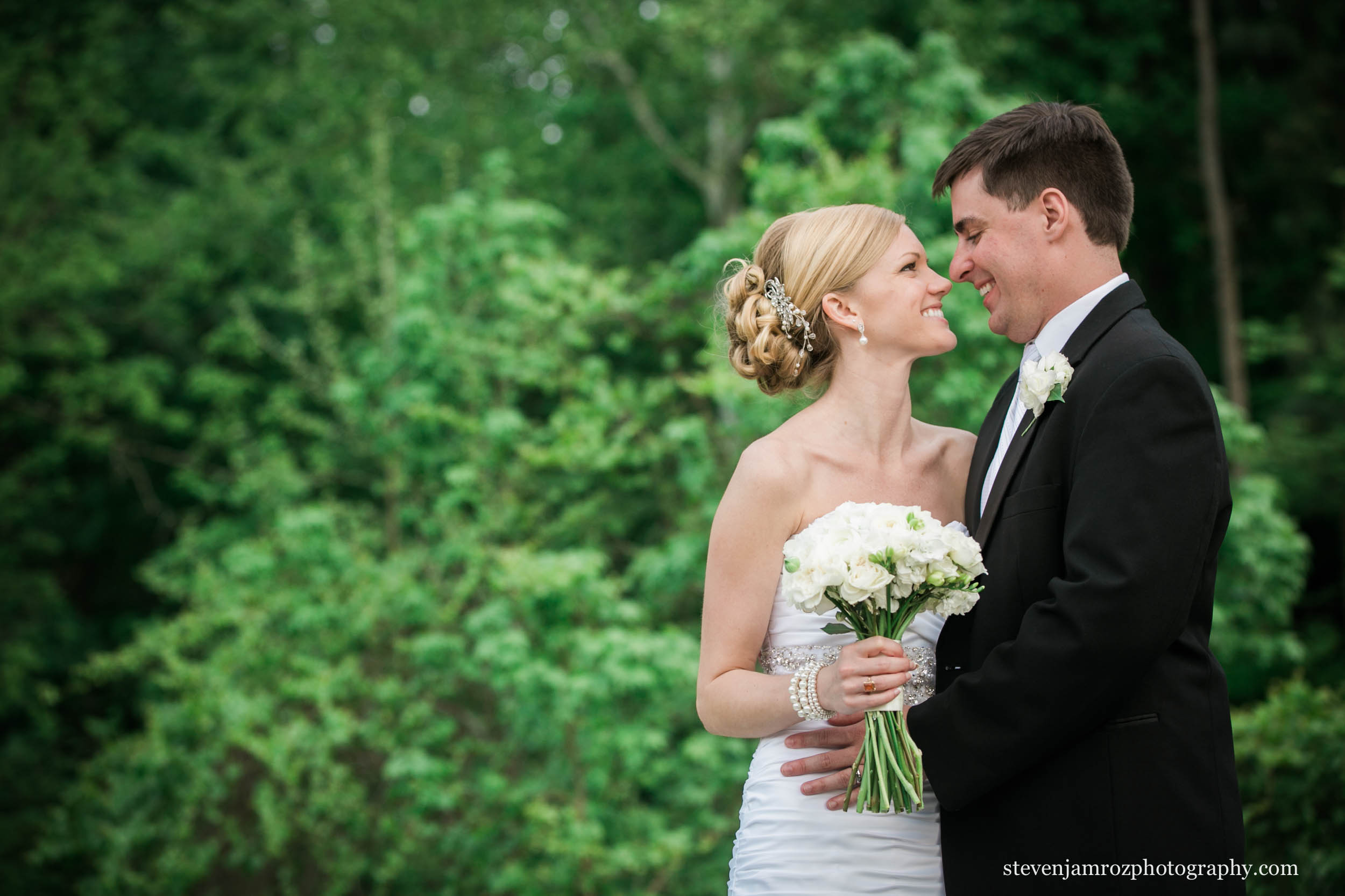 north-raleigh-wedding-couple-steven-jamroz-photography-0367.jpg