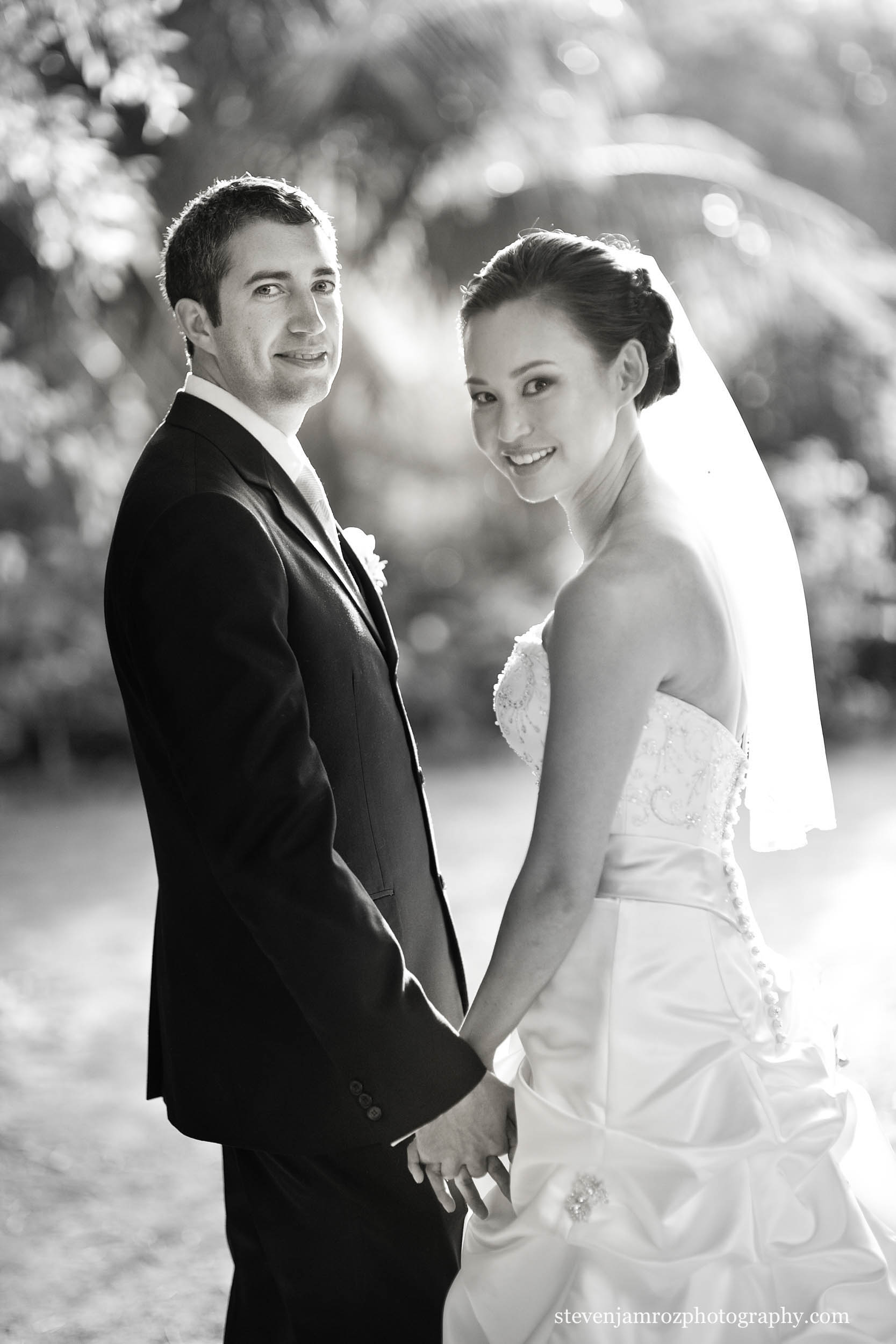 holding-hands-together-bride-groom-wedding-steven-jamroz-0687.jpg