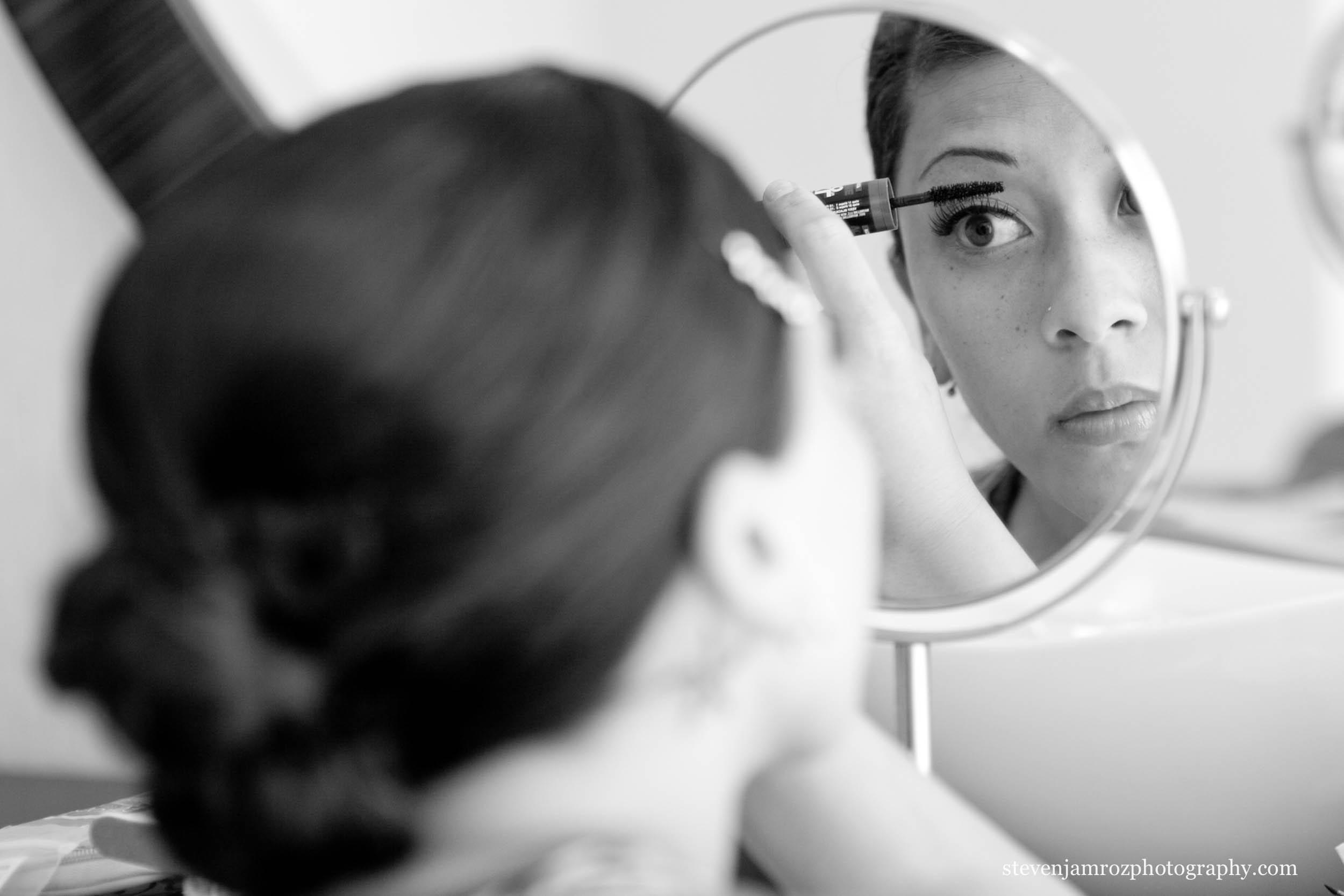 apply-makeup-wedding-get-ready-steven-jamroz-0688.jpg