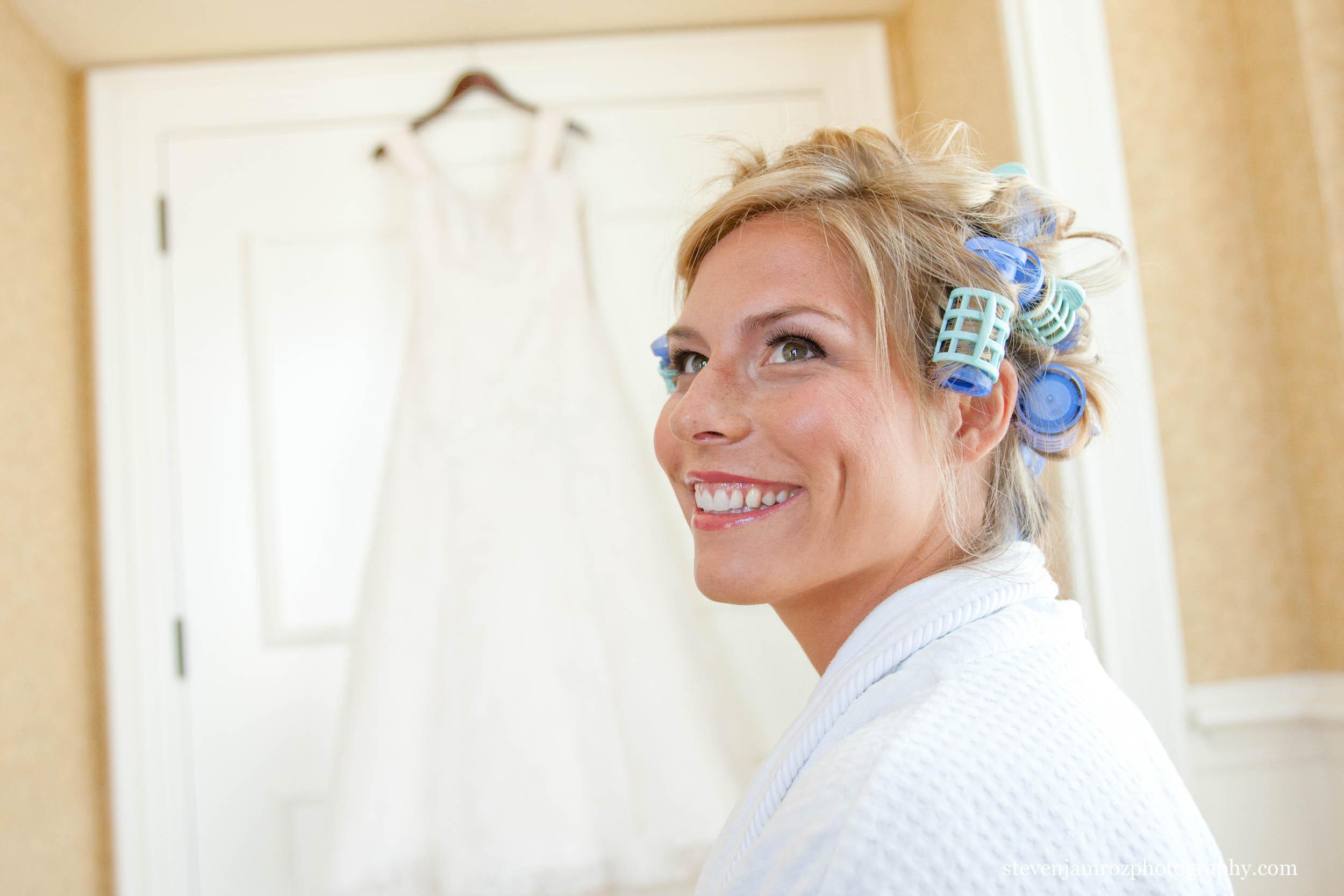 bride-curlers-in-hair-wedding-steven-jamroz-photography-0031.jpg