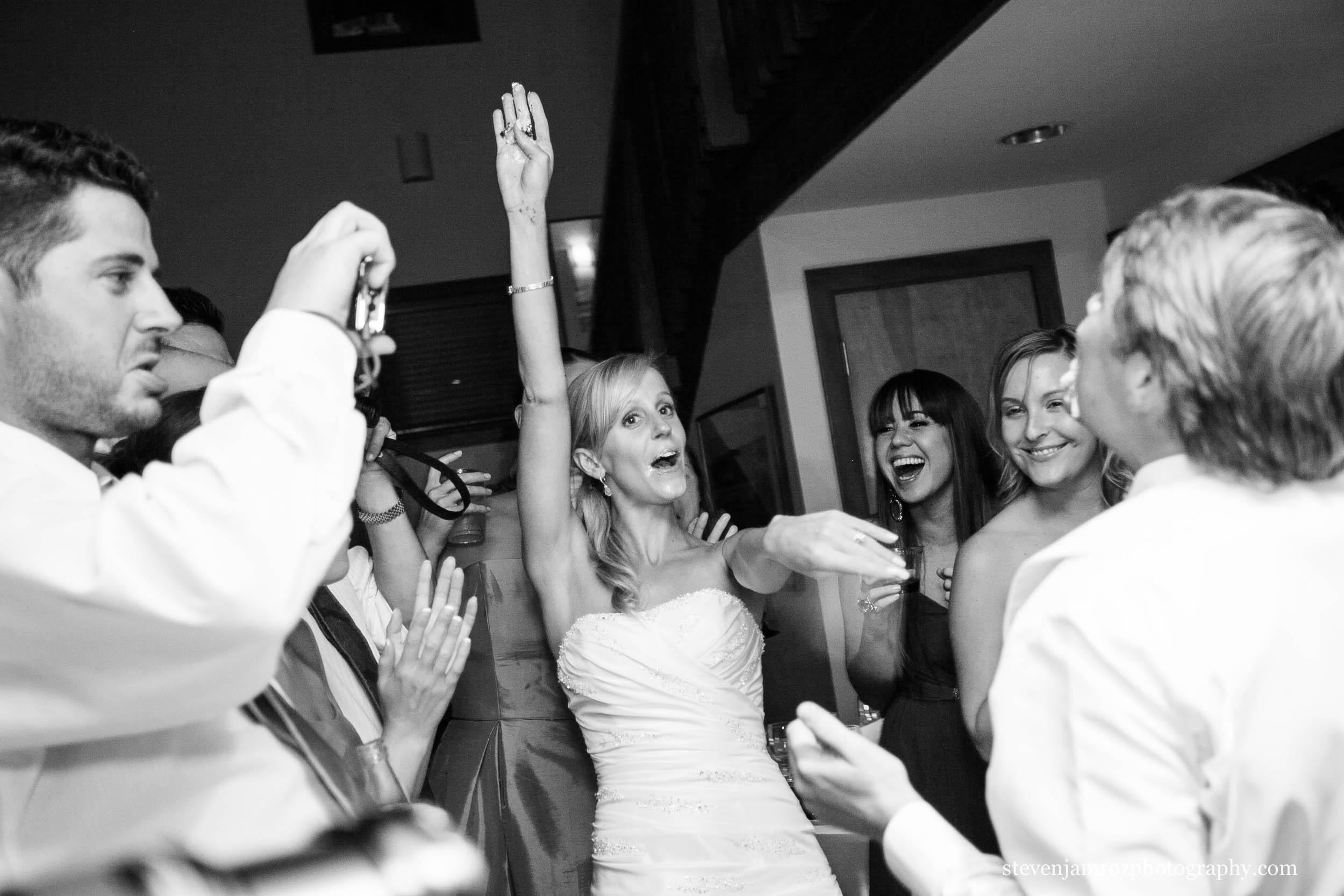 cake-in-grooms-face-wedding-raleigh-steven-jamroz-photography-0278.jpg