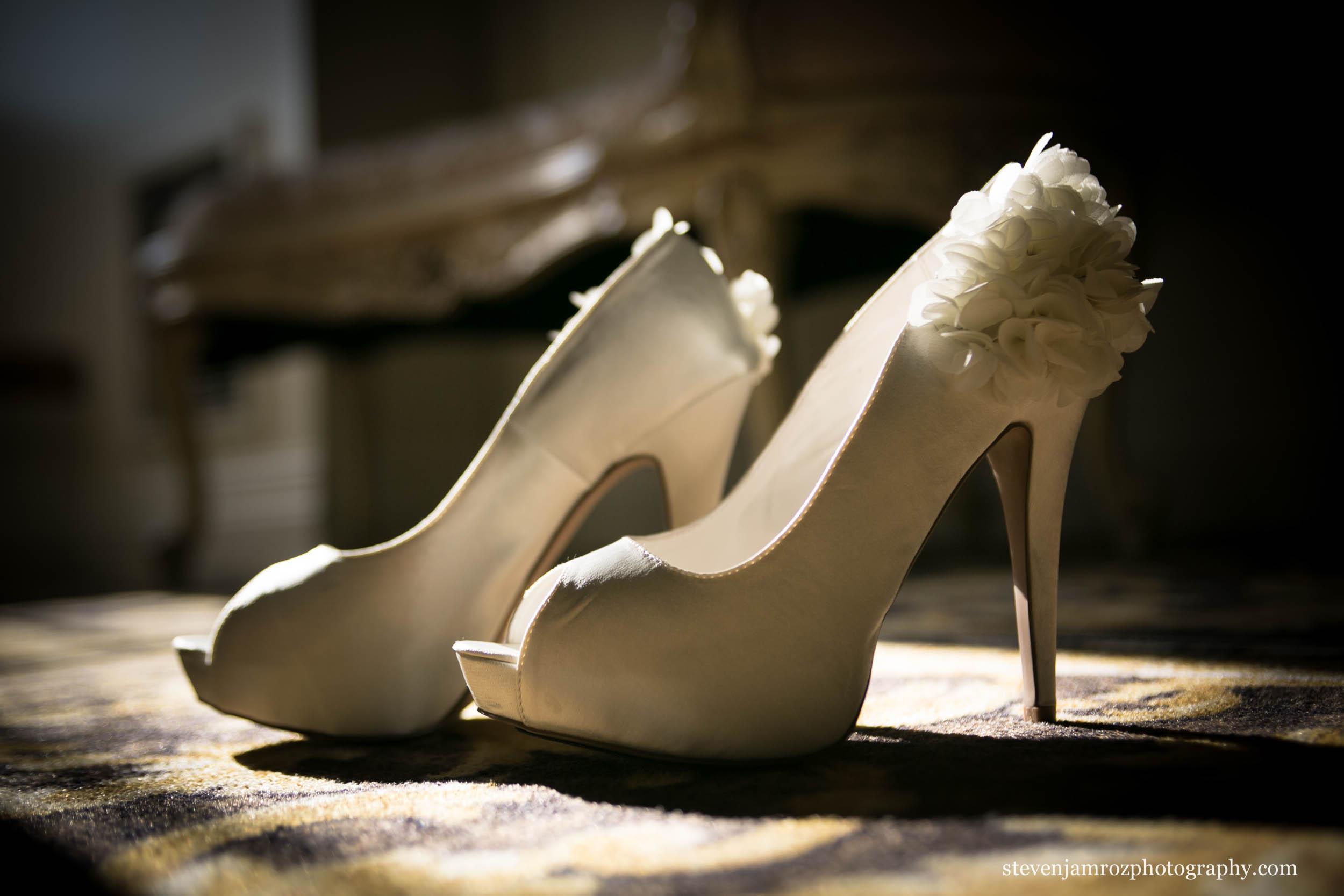 cream-wedding-high-heel-shoes-steven-jamroz-photography-0166.jpg