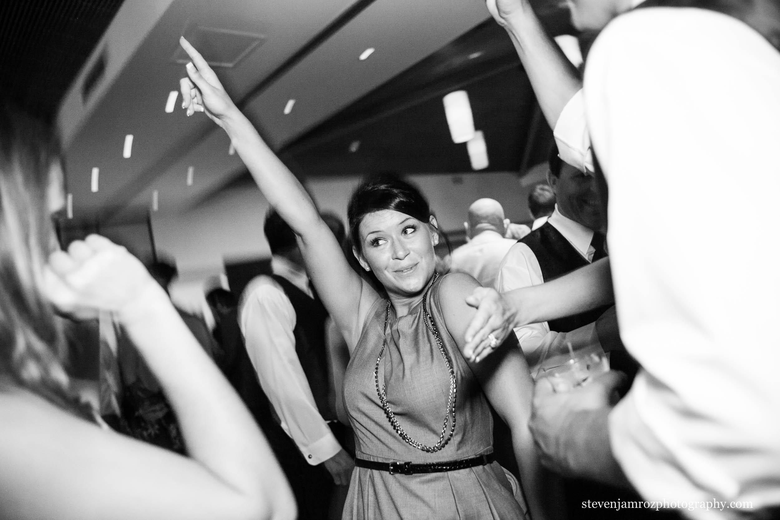 dancing-wedding-nc-steven-jamroz-photography-0192.jpg