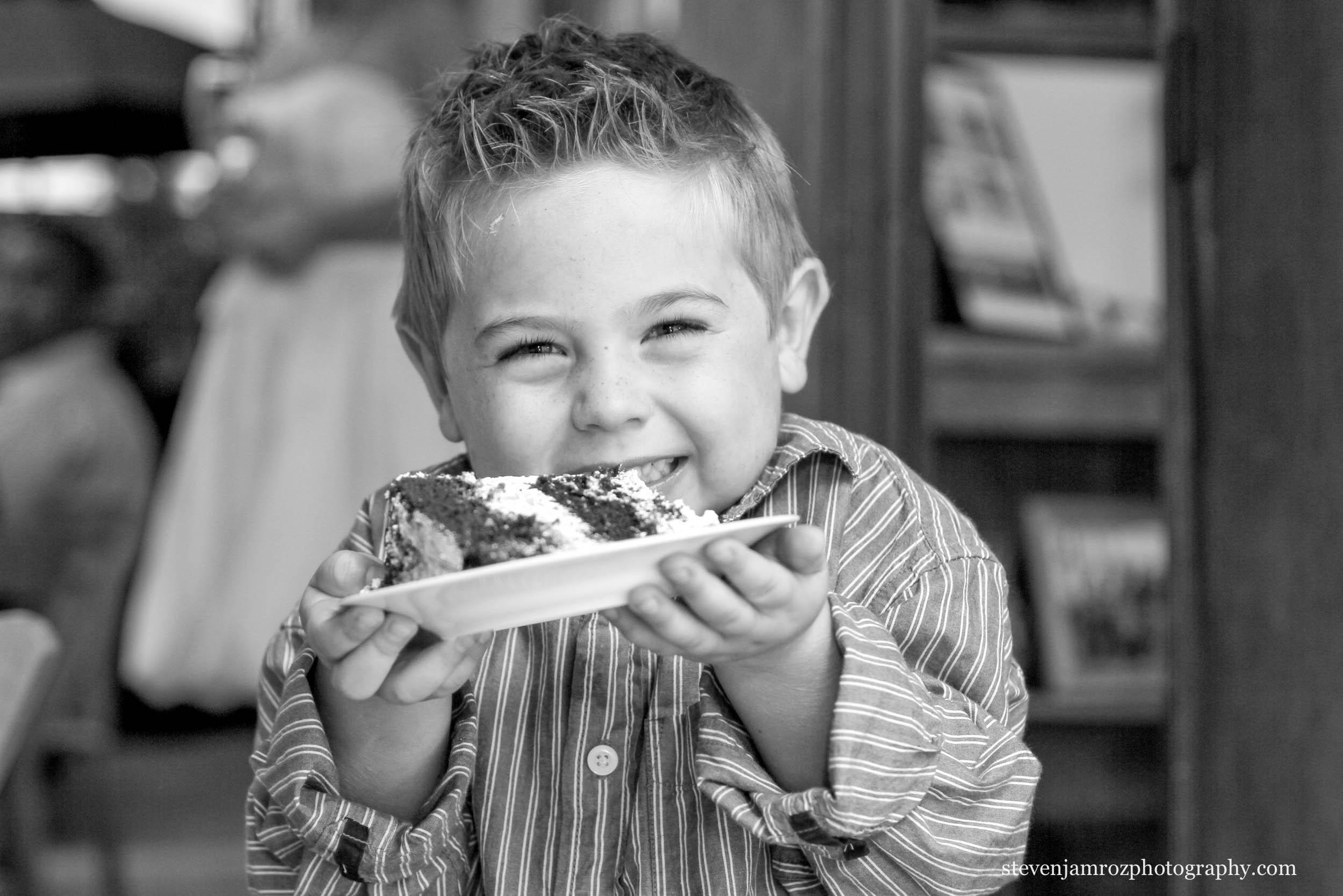 eating-cake-kid-wedding-raleigh-nc-steven-jamroz-photography-0060.jpg