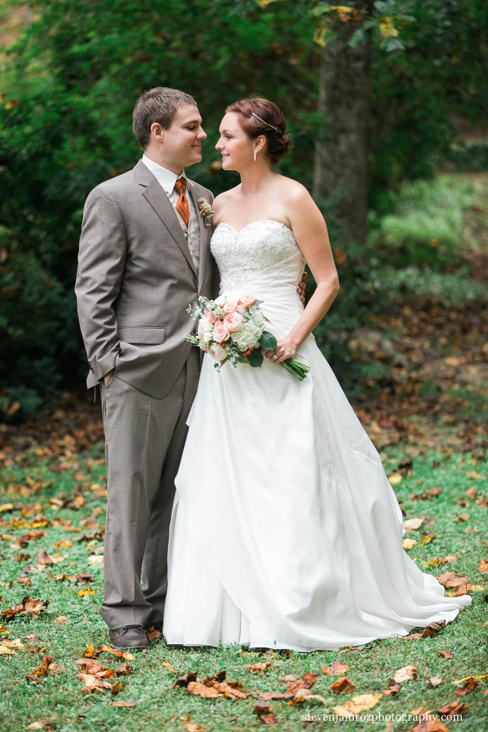 fall-colors-wedding-raleigh-nc-steven-jamroz-photography-0213.jpg