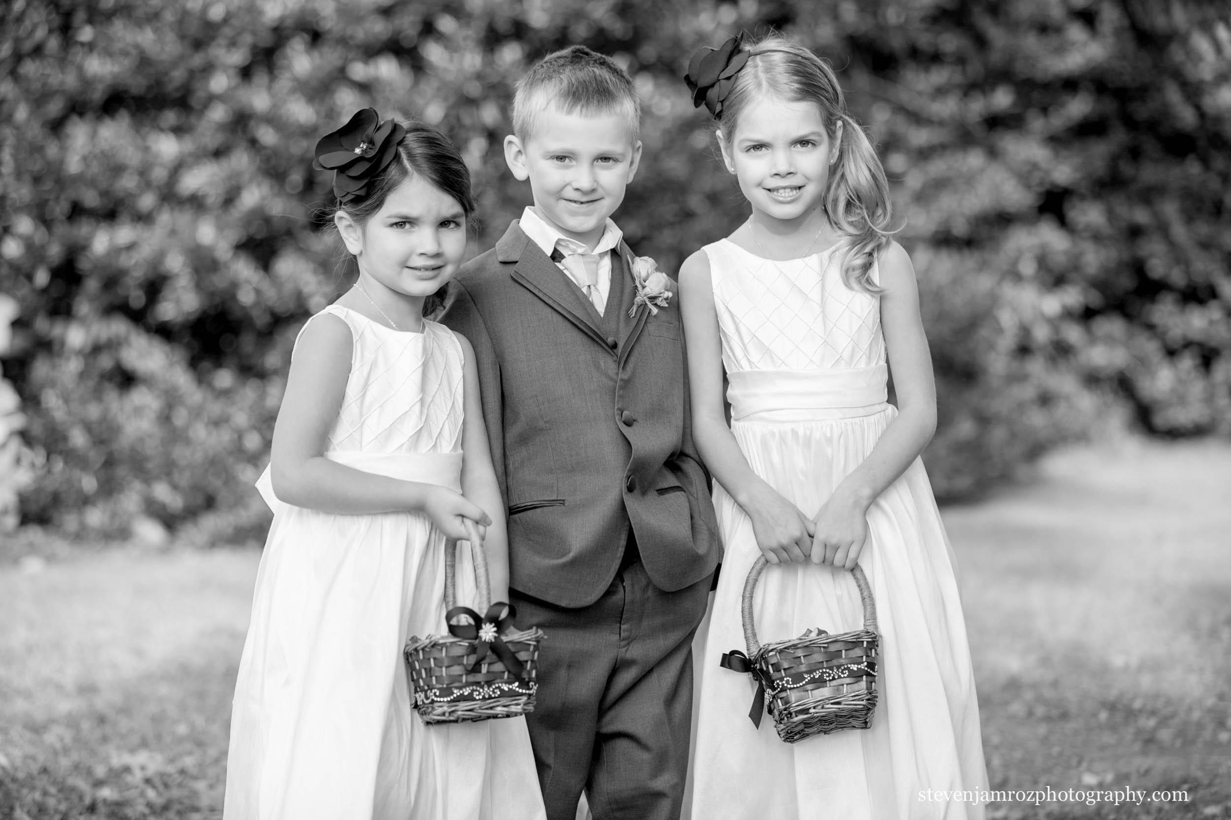 flower-girls-and ring-bearer-hudson-manor-estate-photography-0879.jpg