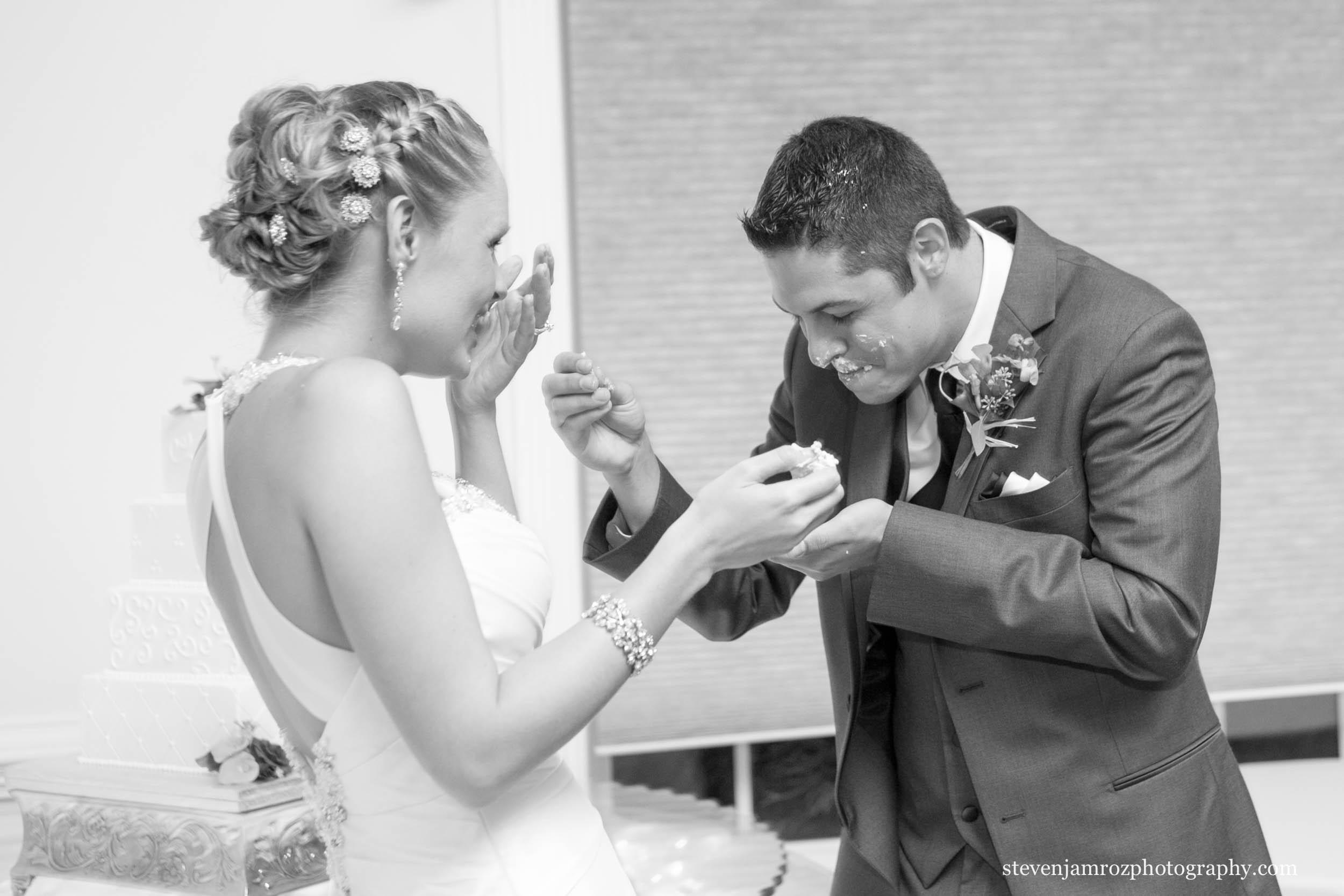 wedding-reception-venues-reviews-pricing-hudson-manor-0904.jpg
