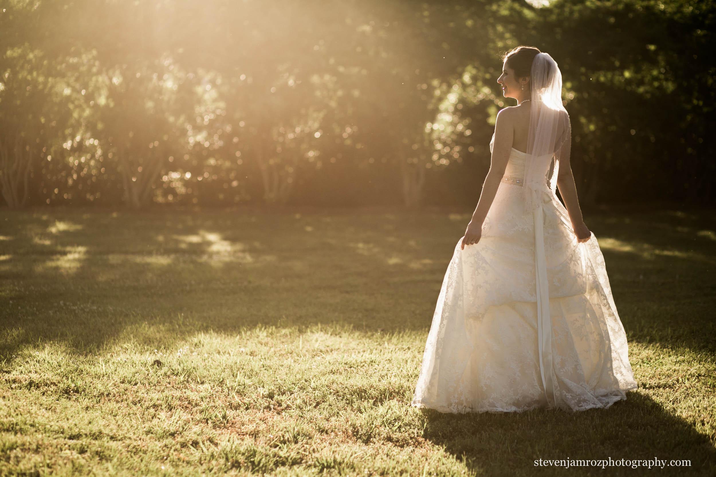 backlit-wedding-portrait-steven-jamroz-photography-0544.jpg