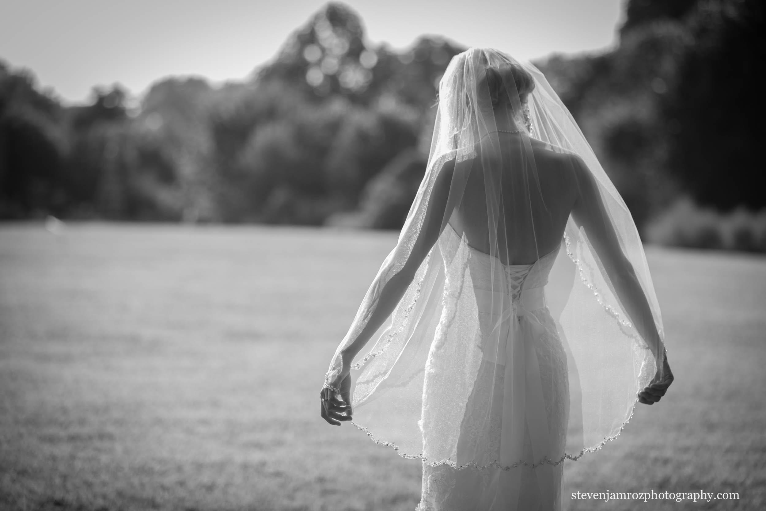 black-white-bridal-portrait-raleigh-steven-jamroz-photography-0082.jpg