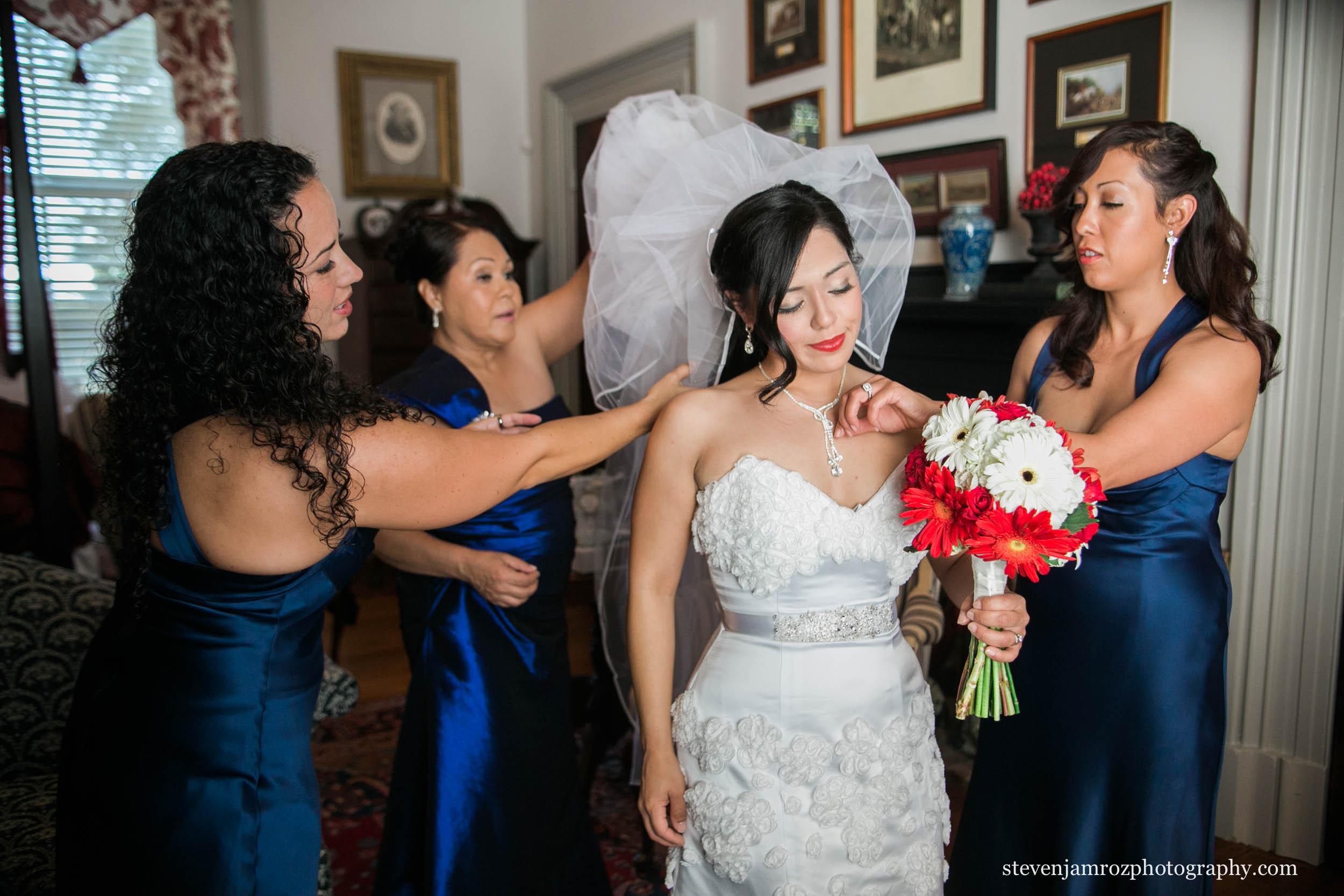 blue-dresses-bridesmaids-raleigh-nc-steven-jamroz-photography-0053.jpg