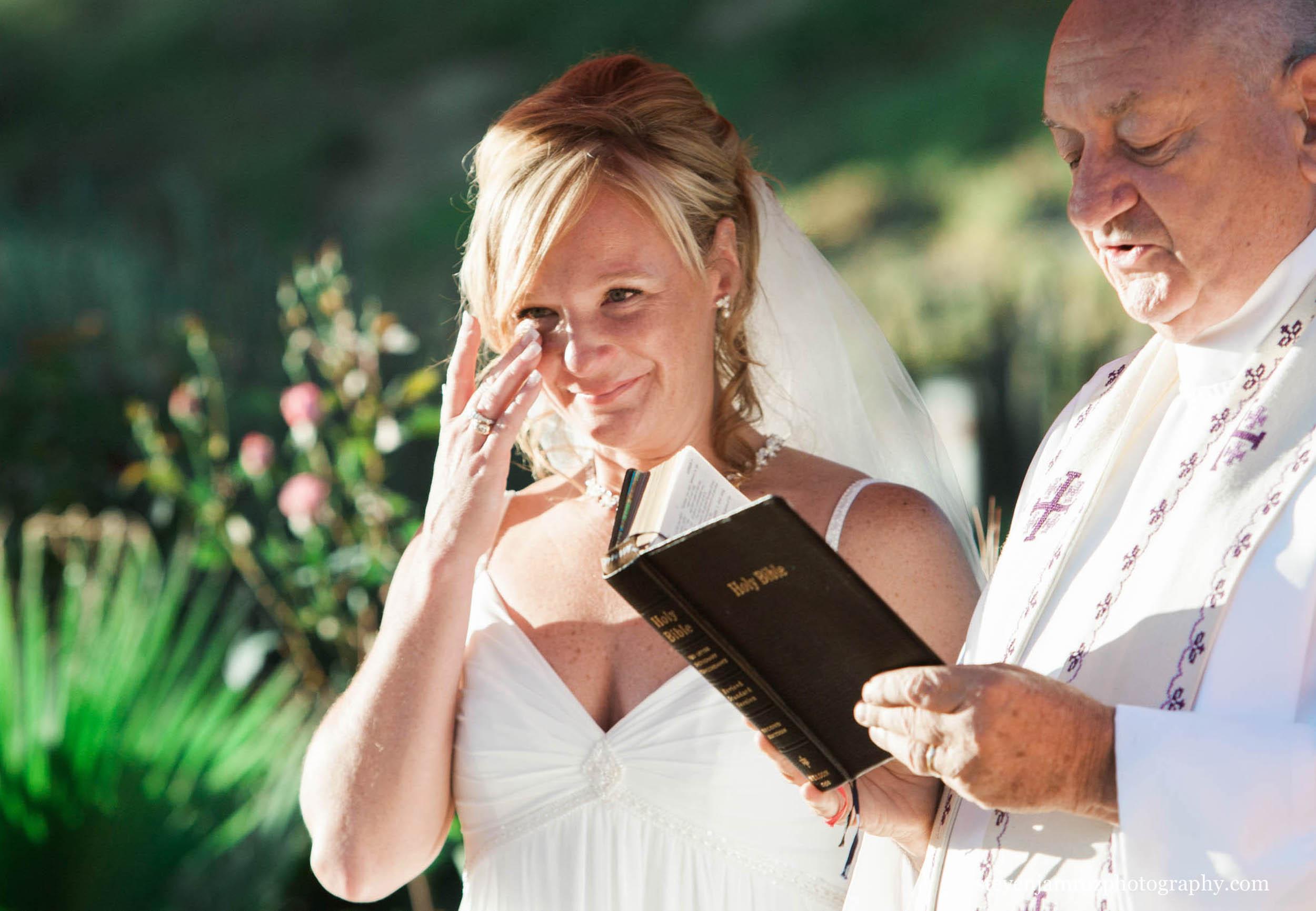 bride-crying-ceremony-steven-jamroz-photography-0592.jpg