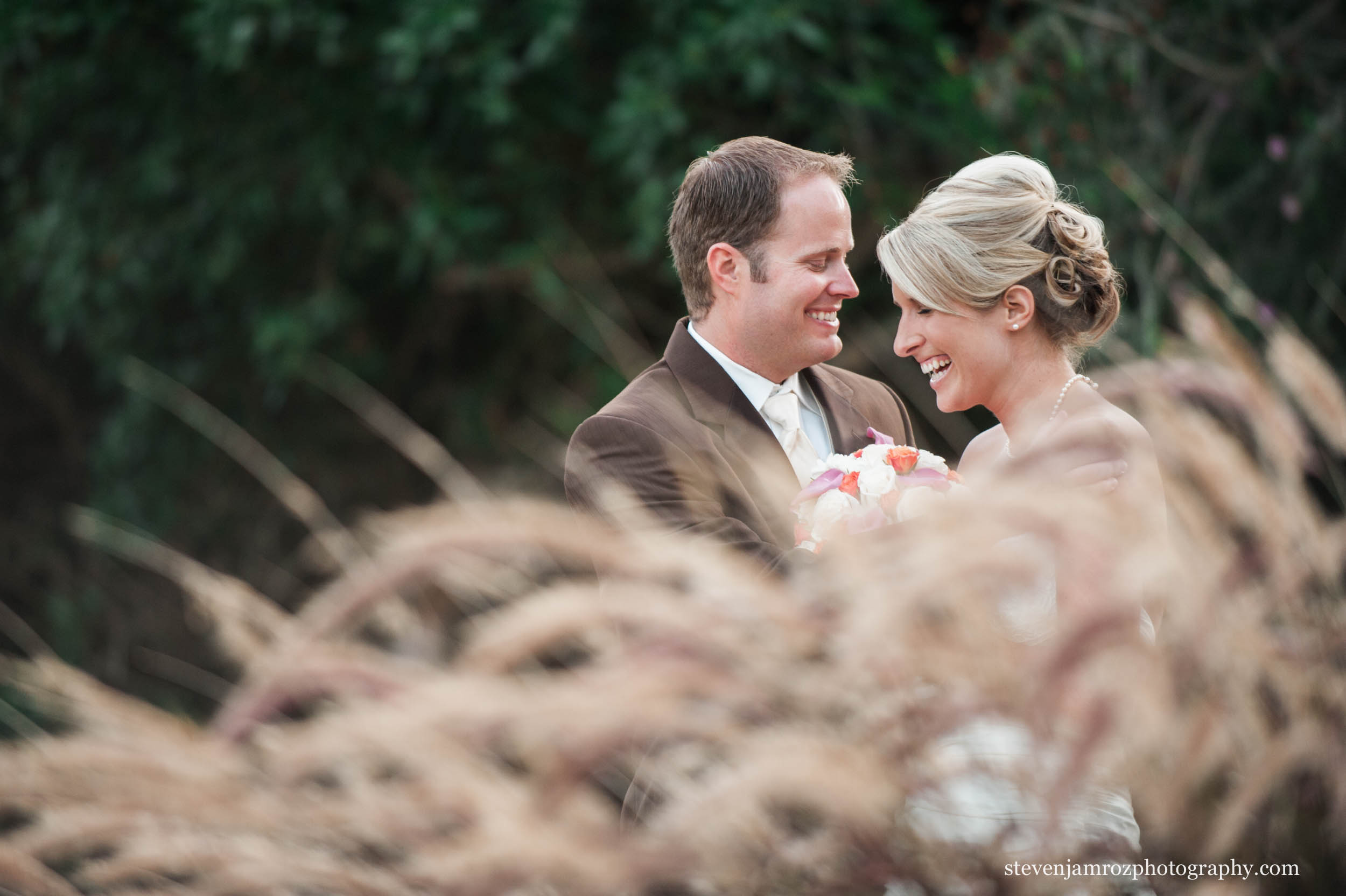 bride-groom-outdoor-portraits-chapel-hill-steven-jamroz-photography-0069.jpg