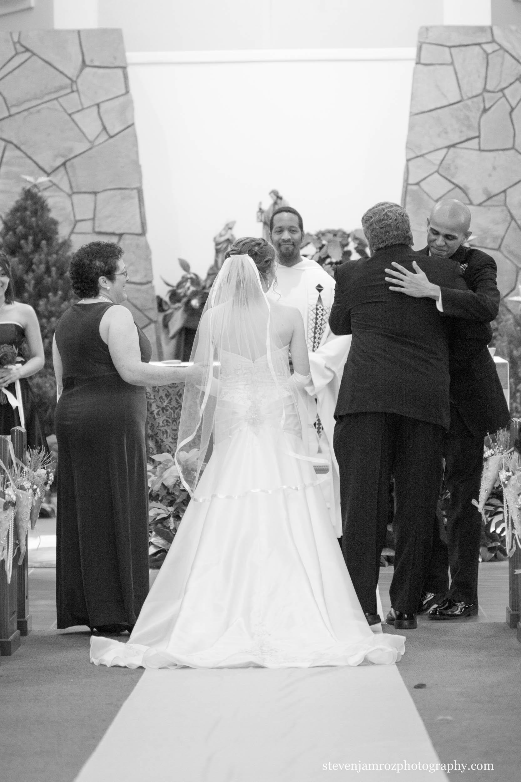 bride-groom-walk-raleigh-steven-jamroz-photography-0593.jpg