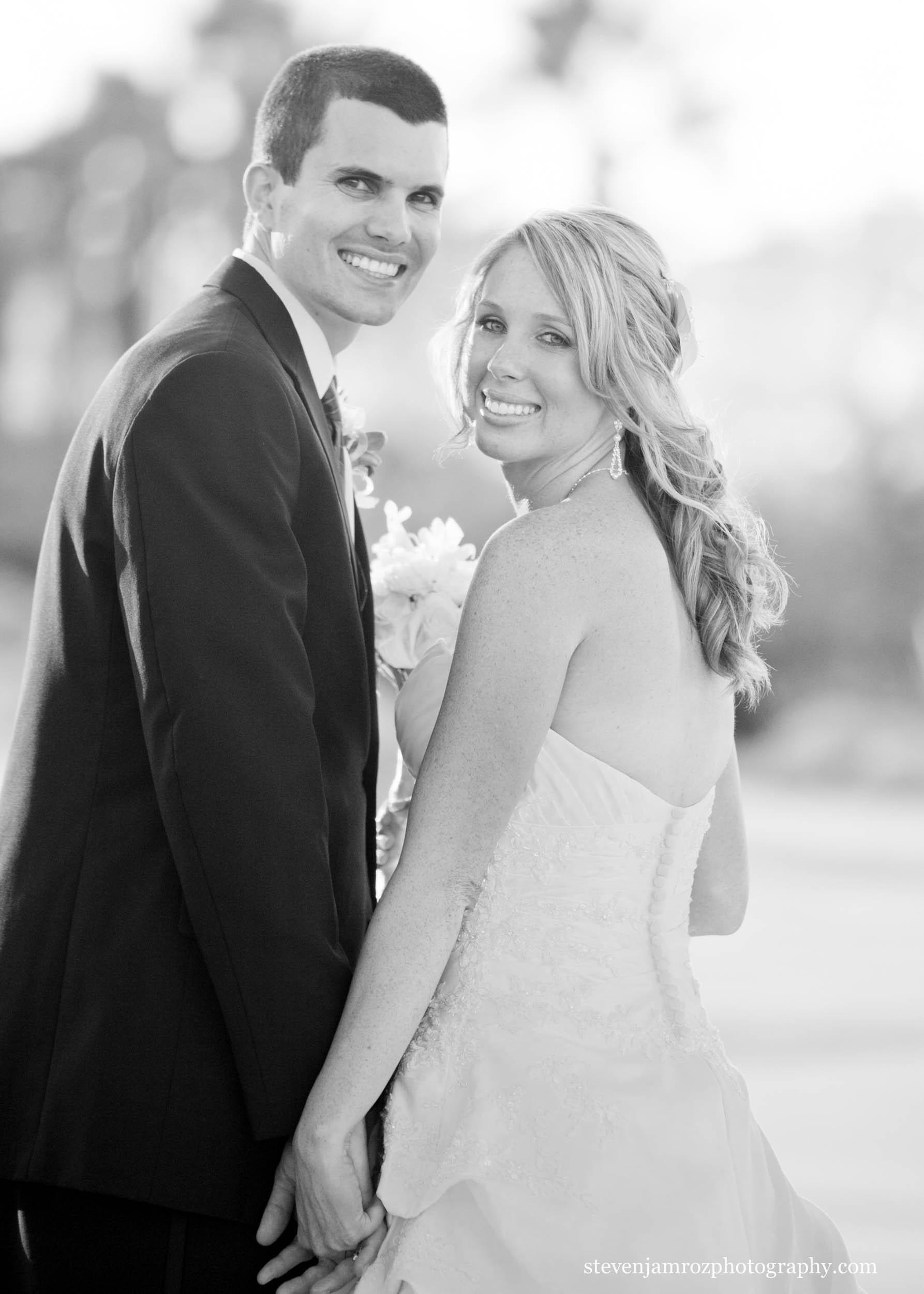 bride-holds-hands-groom-nc-steven-jamroz-photography-0193.jpg