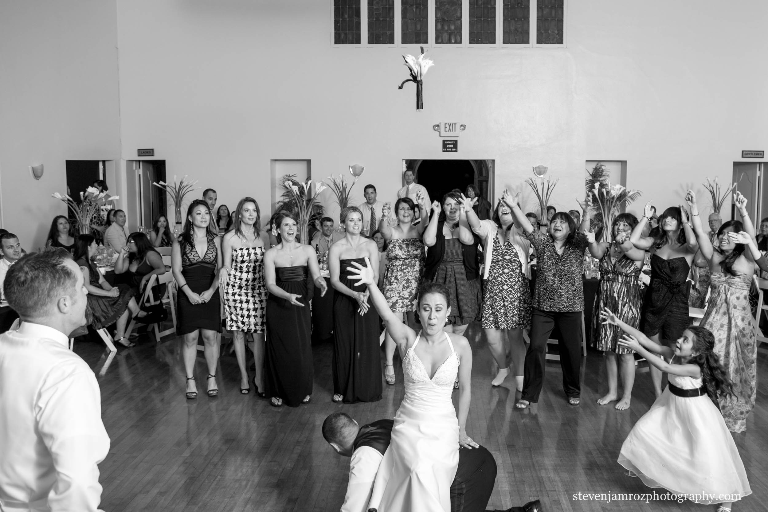 bride-sitting-on-groomsman-toss-wedding-steven-jamroz-photography-0480.jpg