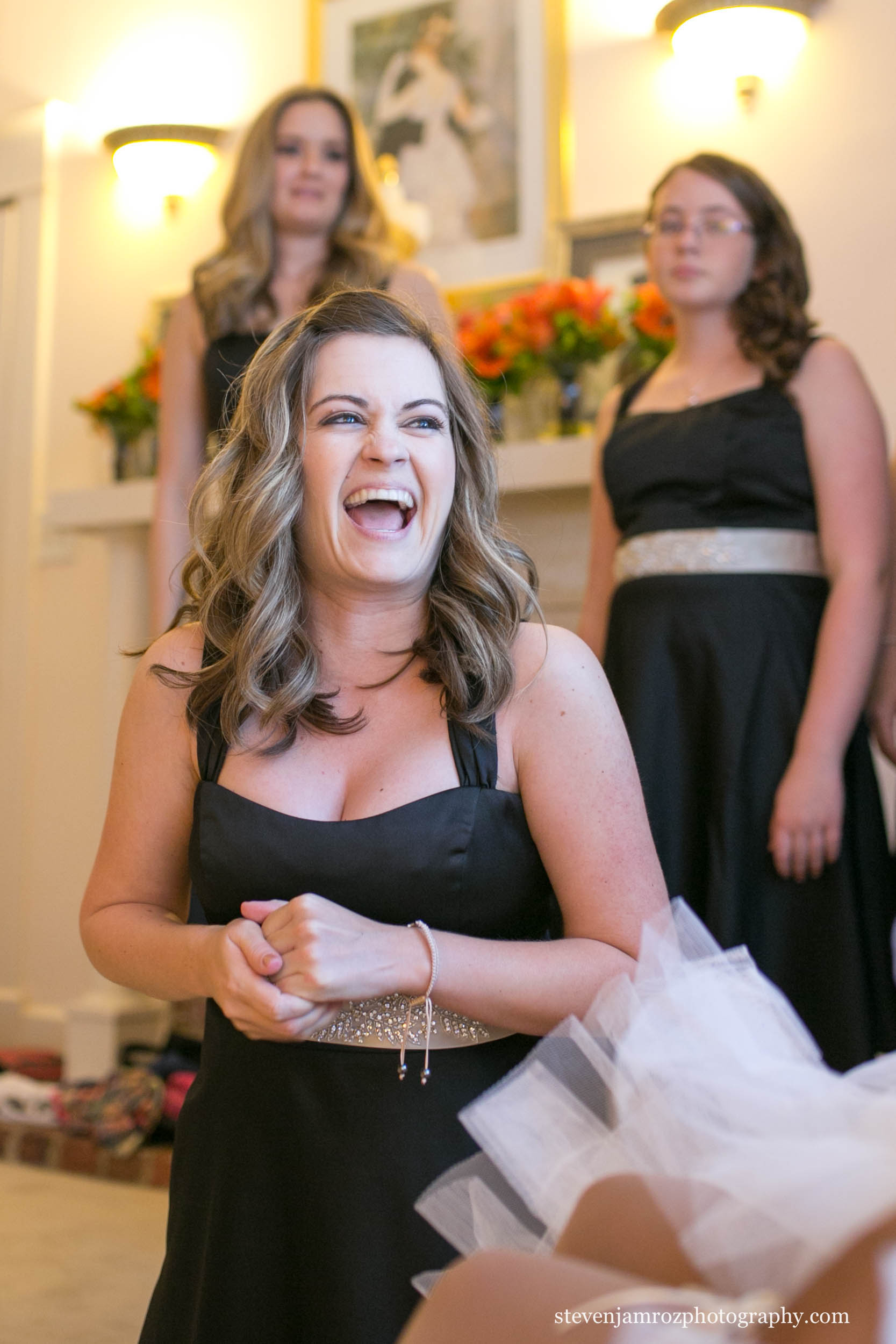 bridesmaids-help-bride-nc-steven-jamroz-photography-0215.jpg