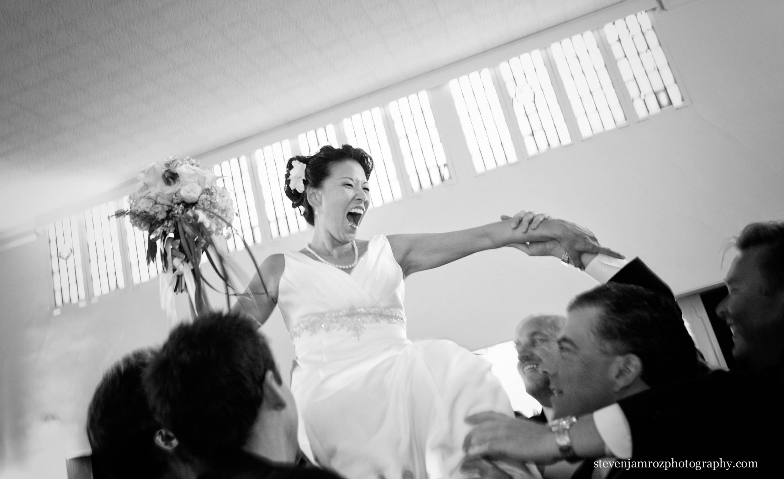 chair-dance-bride-wedding-steven-jamroz-photography-0477.jpg
