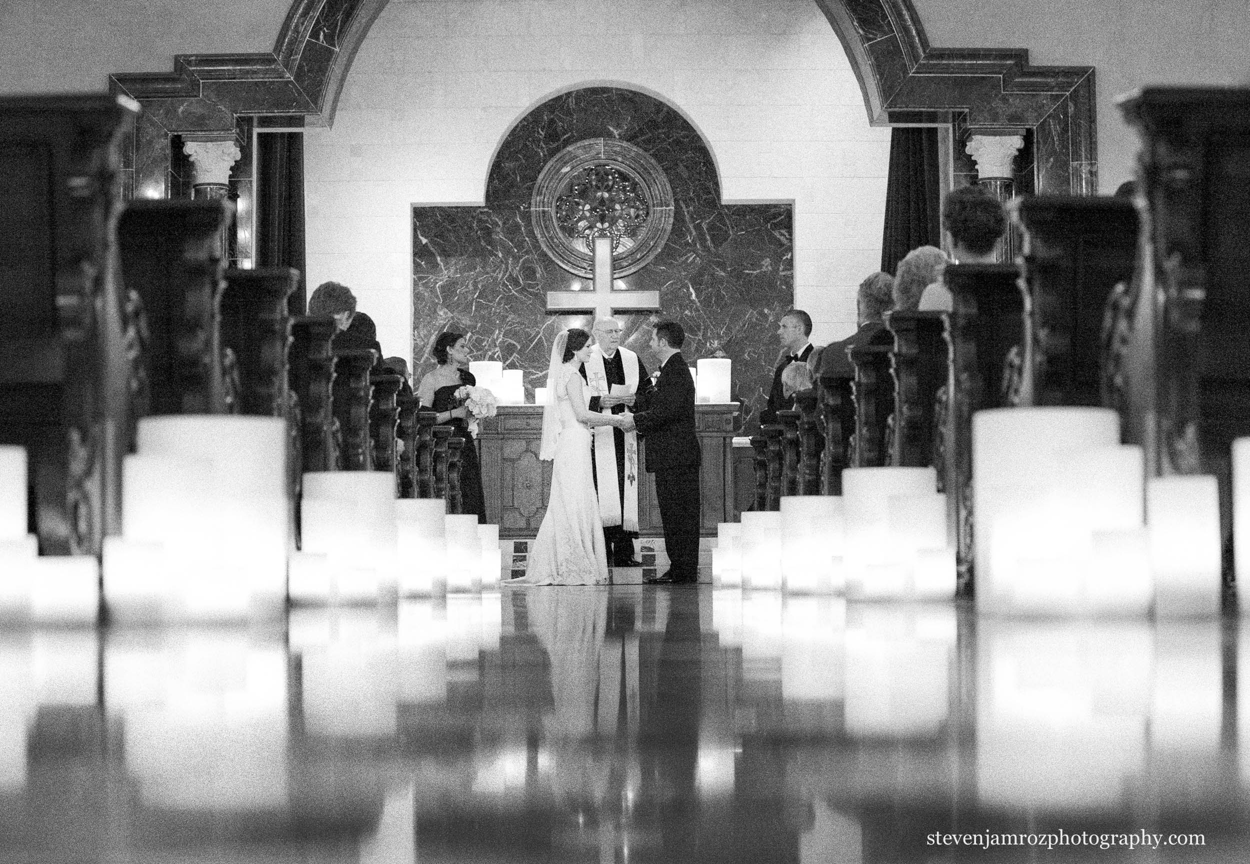 church-wedding-reflection-off-floor-photography-0809.jpg