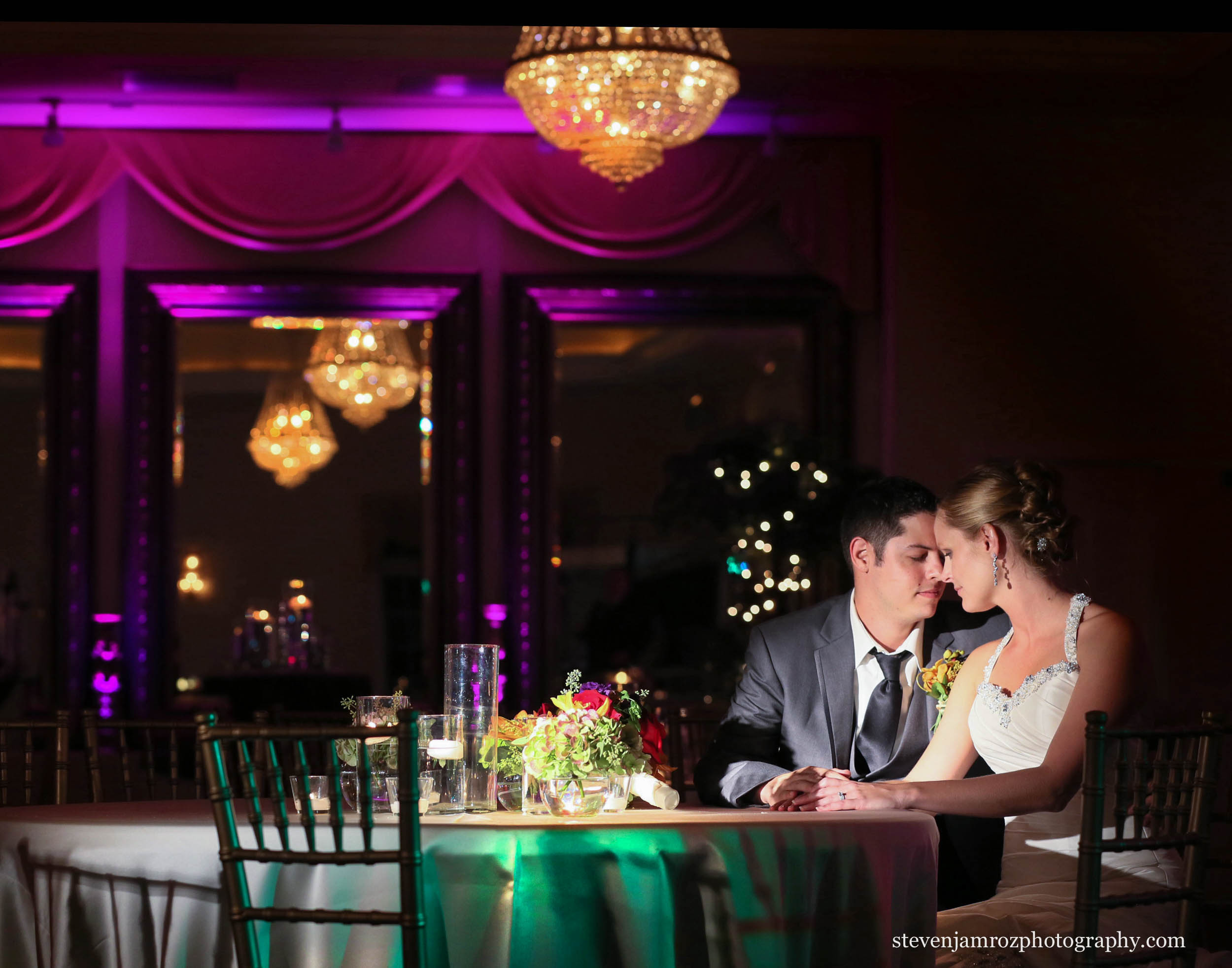 creative-lighting-wedding-hudson-manor-steven-jamroz-photography-0121.jpg