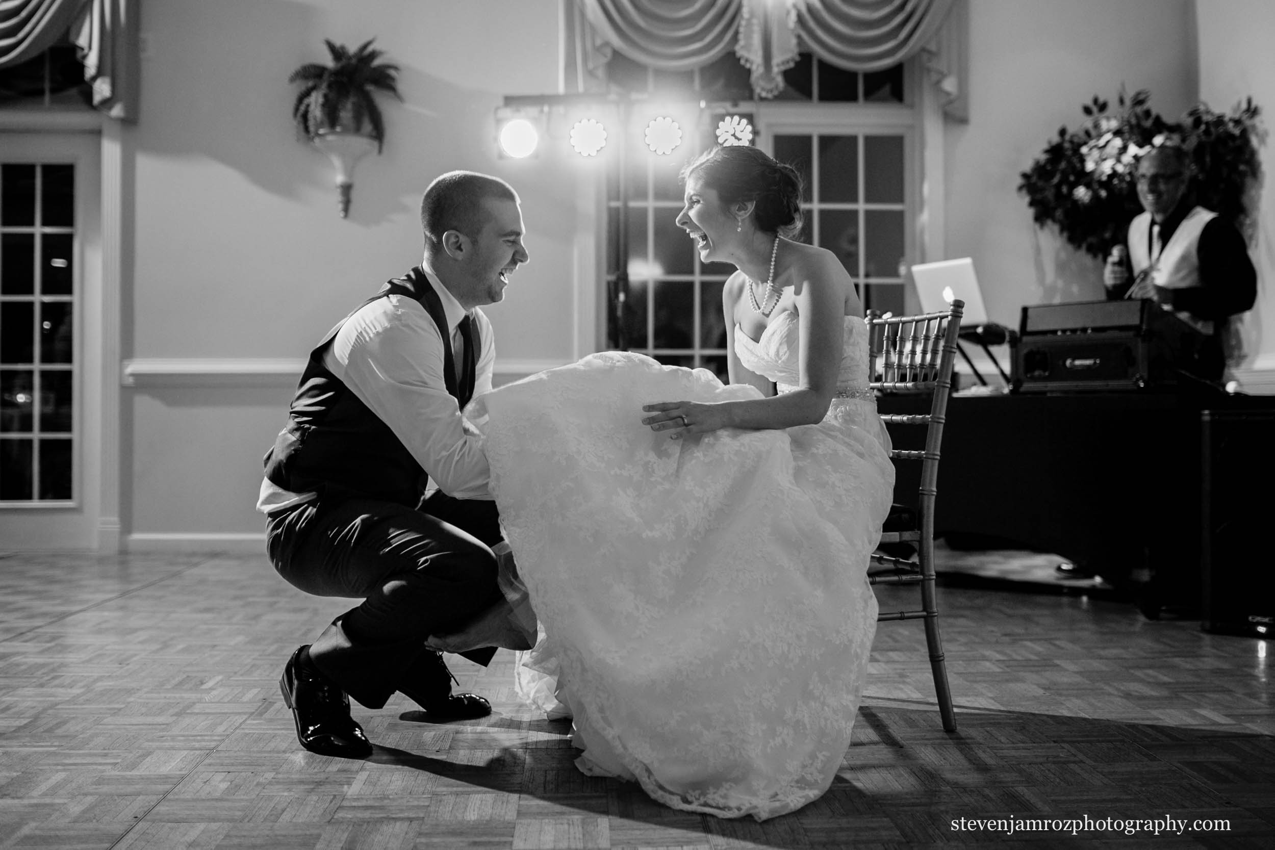 dj-richie-wedding-hudson-manor-photography-steven-jamroz-0705.jpg