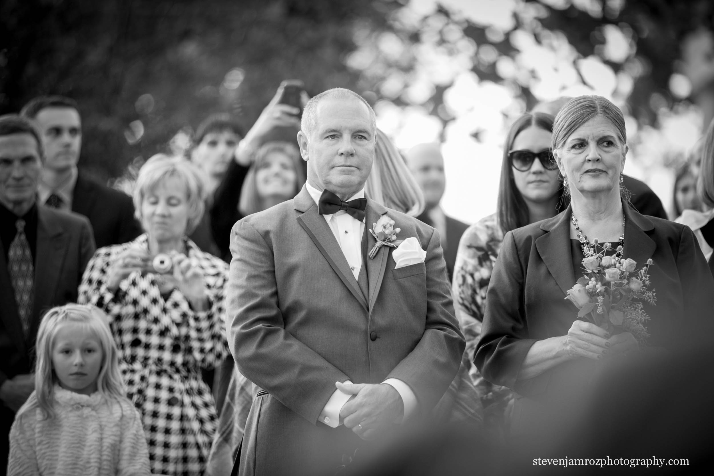 father-watches-bride-get-married-wedding-photographer-steven-jamroz-0713.jpg