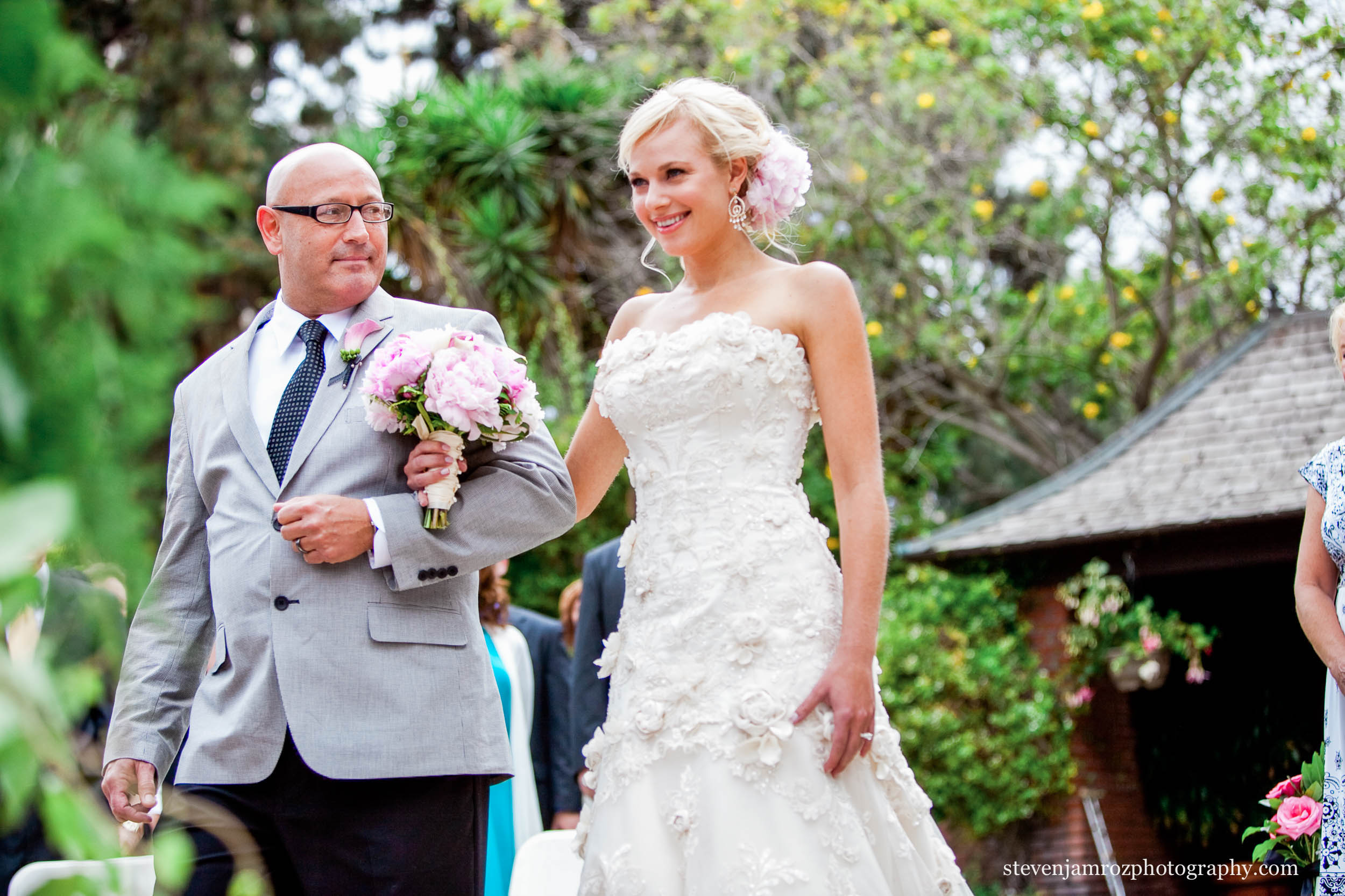 father-walking-bride-down-aisle-steven-jamroz-photography-0273.jpg