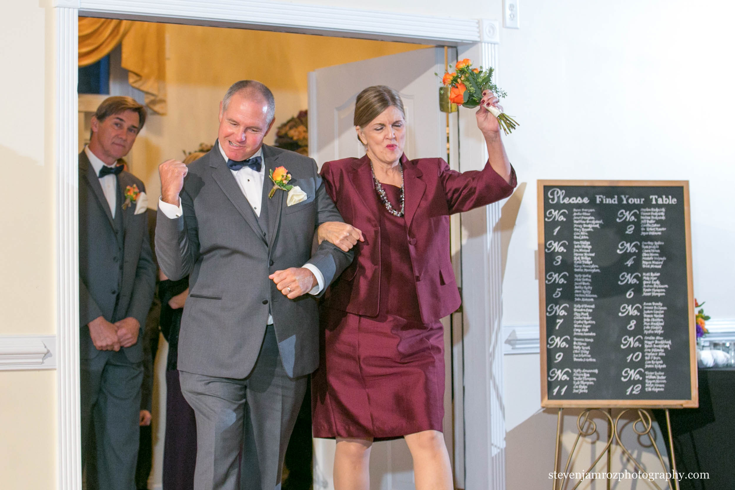 fist-pump-grand-ballroom-entrance-hudson-manor-estate-steven-jamroz-photography-0553.jpg