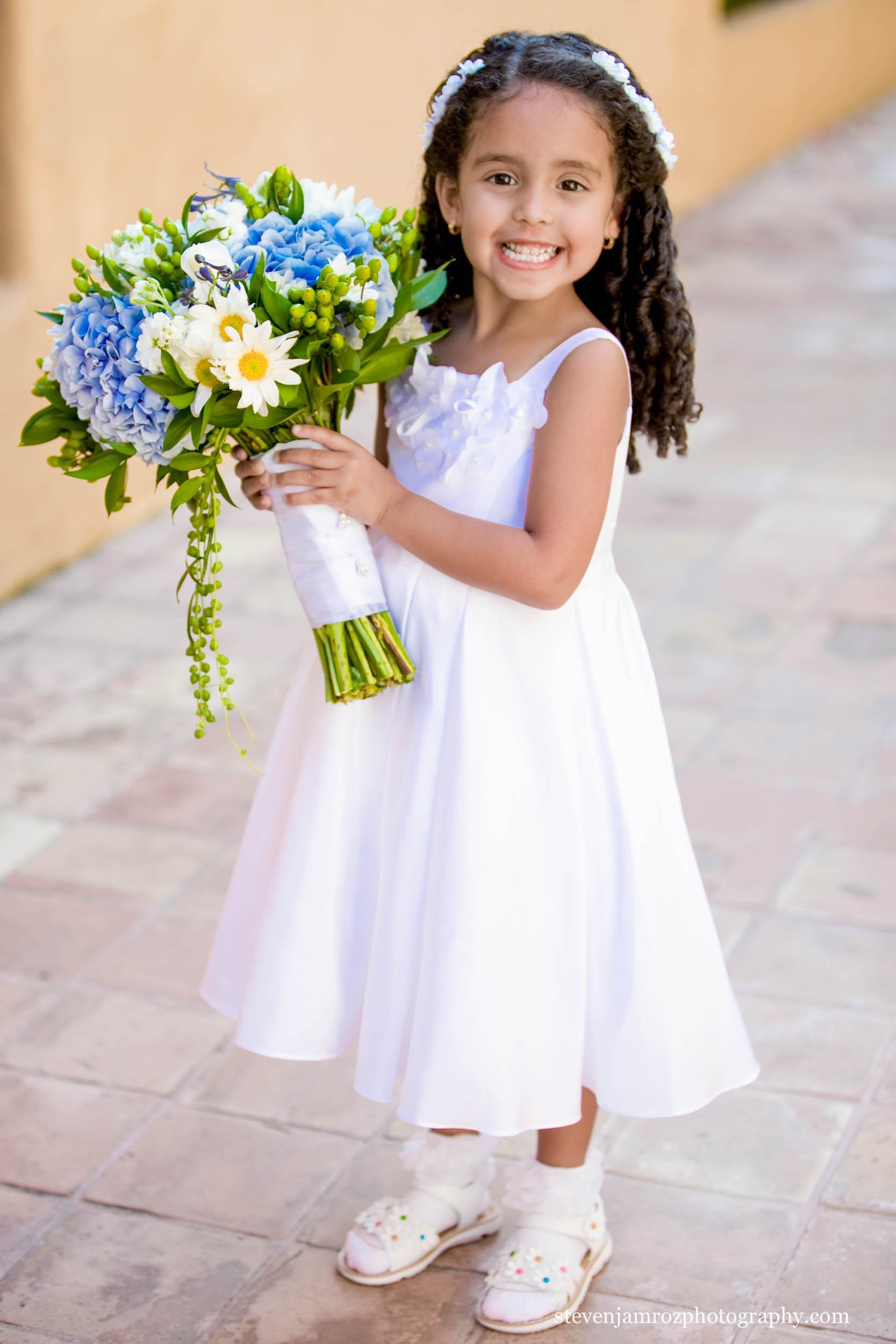 flower-girl-large-bouquet-raleigh-nc-steven-jamroz-photography-0038.jpg