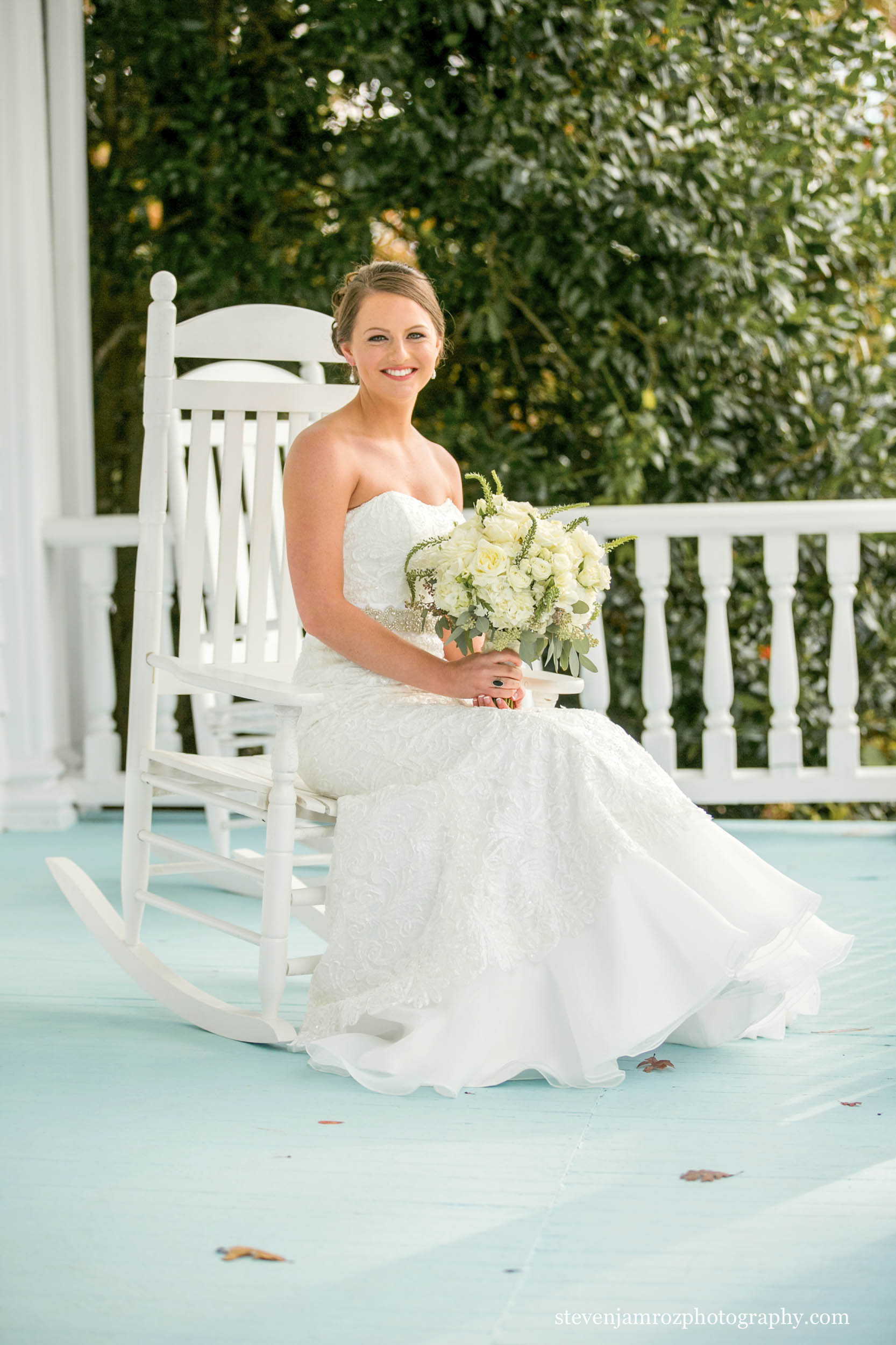 front-porch-bride-portrait-hudson-manor-steven-jamroz-photography-0581.jpg