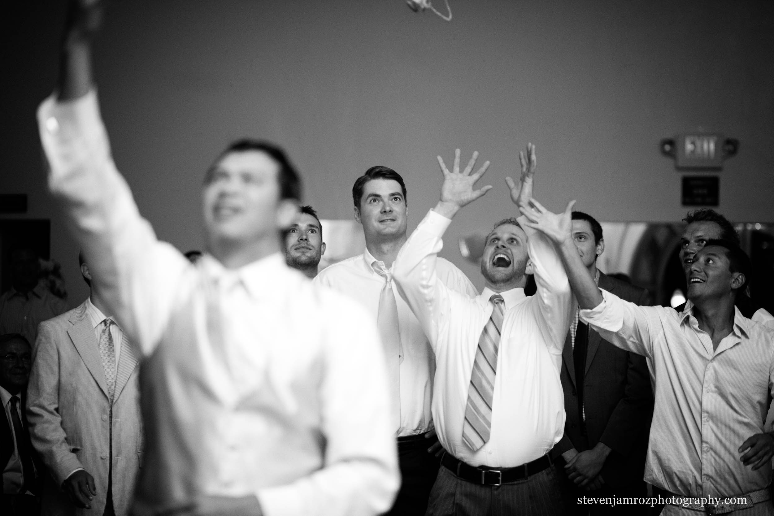 garter-toss-catch-raleigh-wedding-steven-jamroz-photography-0597.jpg