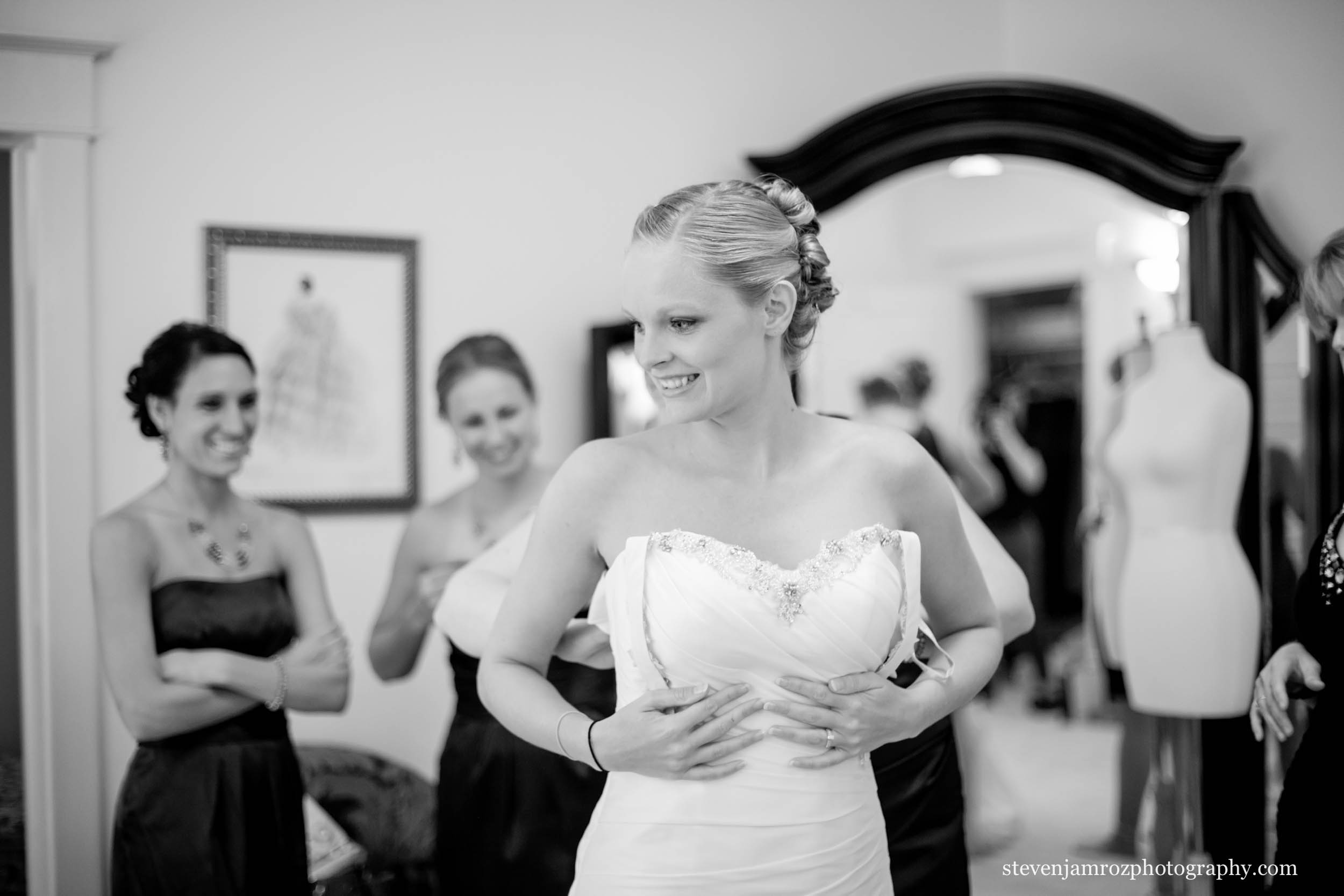 get-ready-at-hudson-manor-estate-wedding-steven-jamroz-photography-0449.jpg