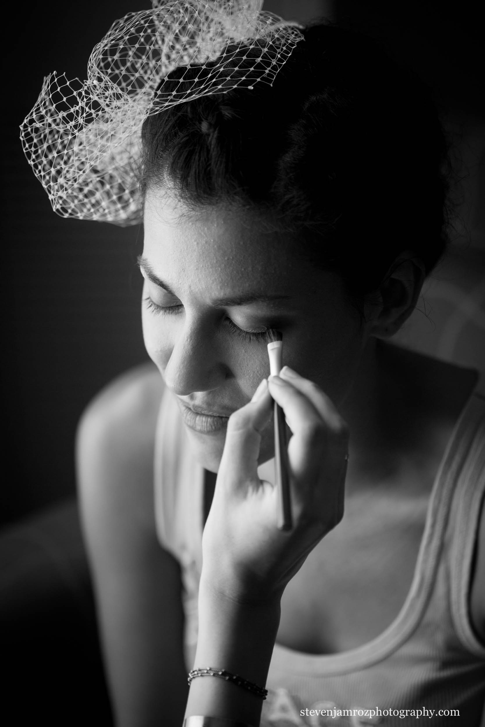 getting-makeup-applied-bride-steven-jamroz-photography-0162.jpg