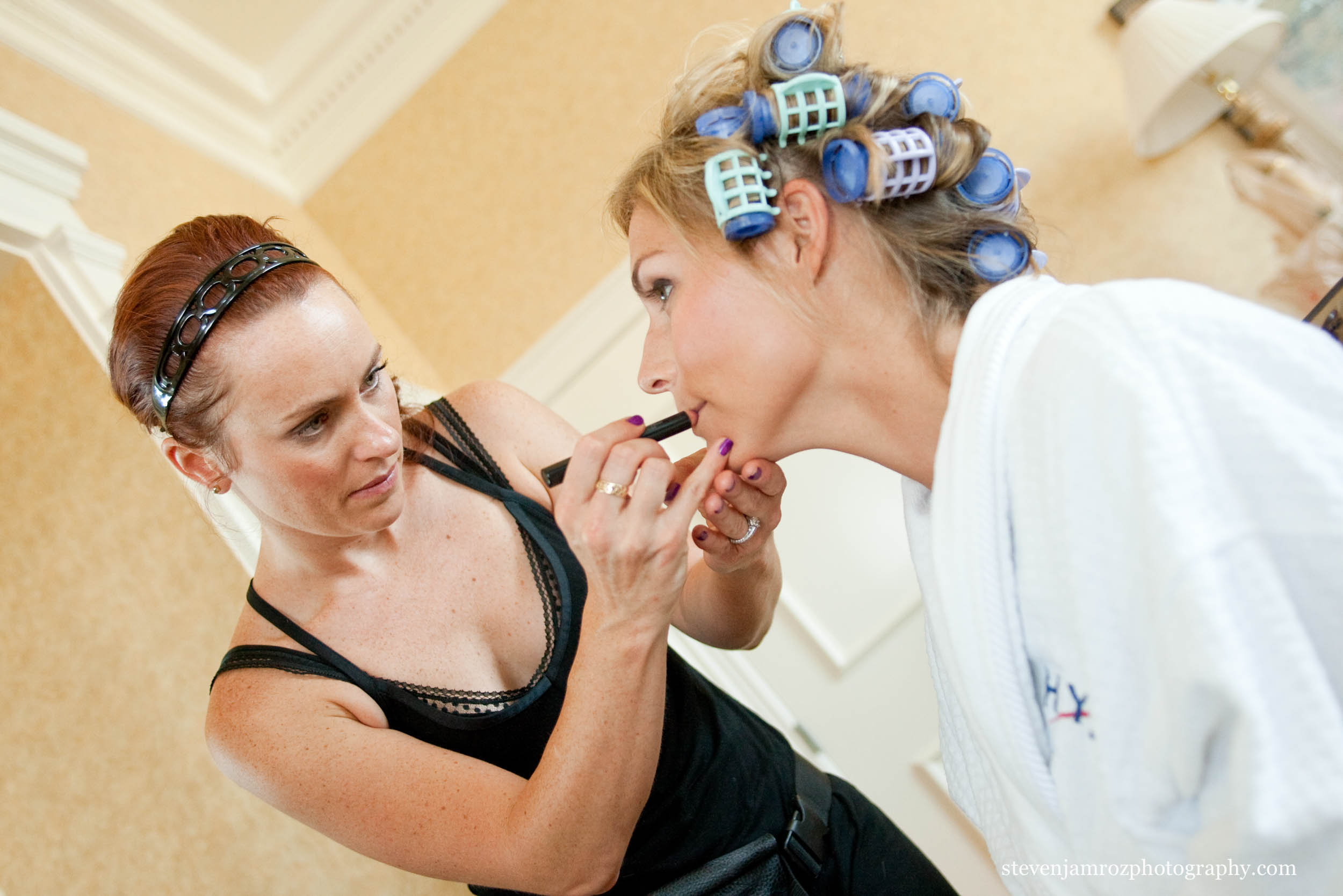 hair-and-makeup-raleigh-wedding-photographer-0800.jpg