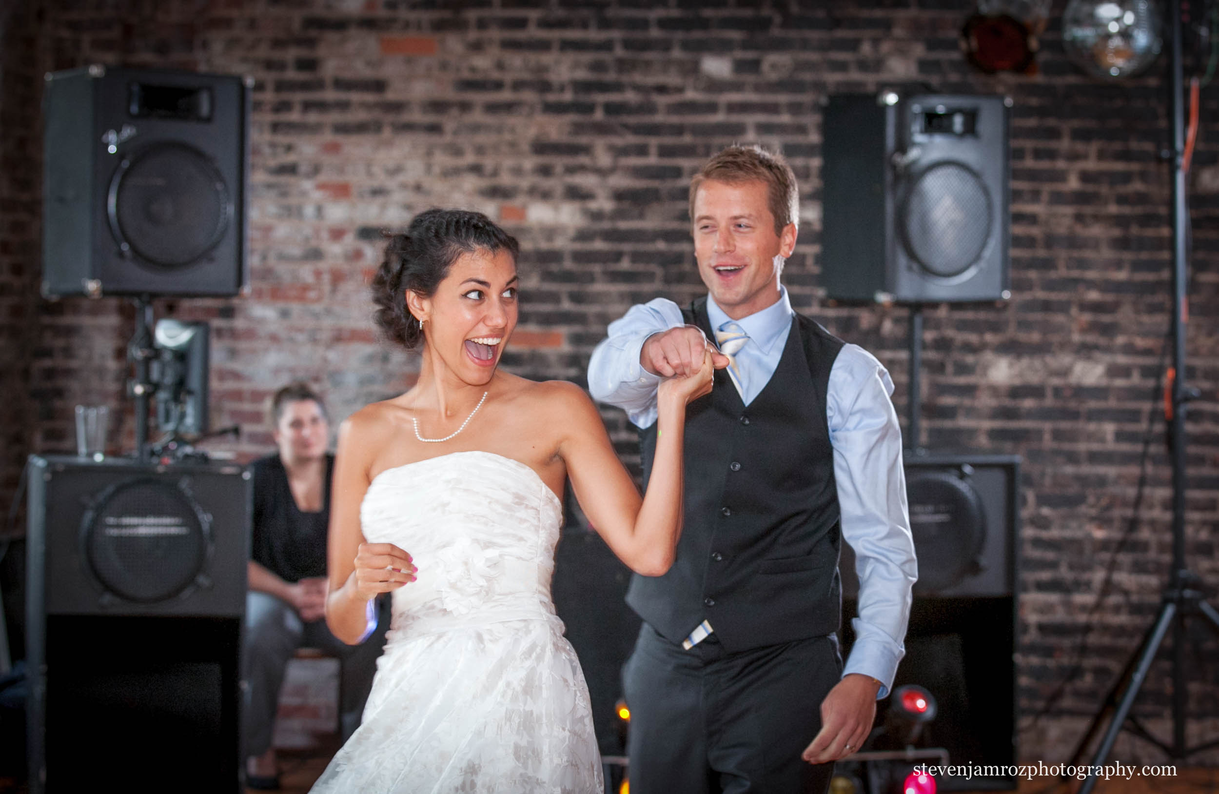 happy-dancing-stockroom-230-wedding-raleigh-steven-jamroz-photography-0074.jpg
