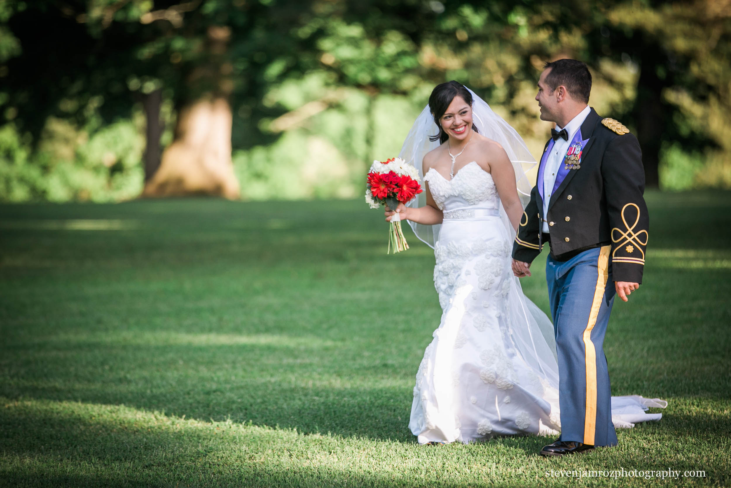 happy-couple-wedding-steven-jamroz-photography-0500.jpg