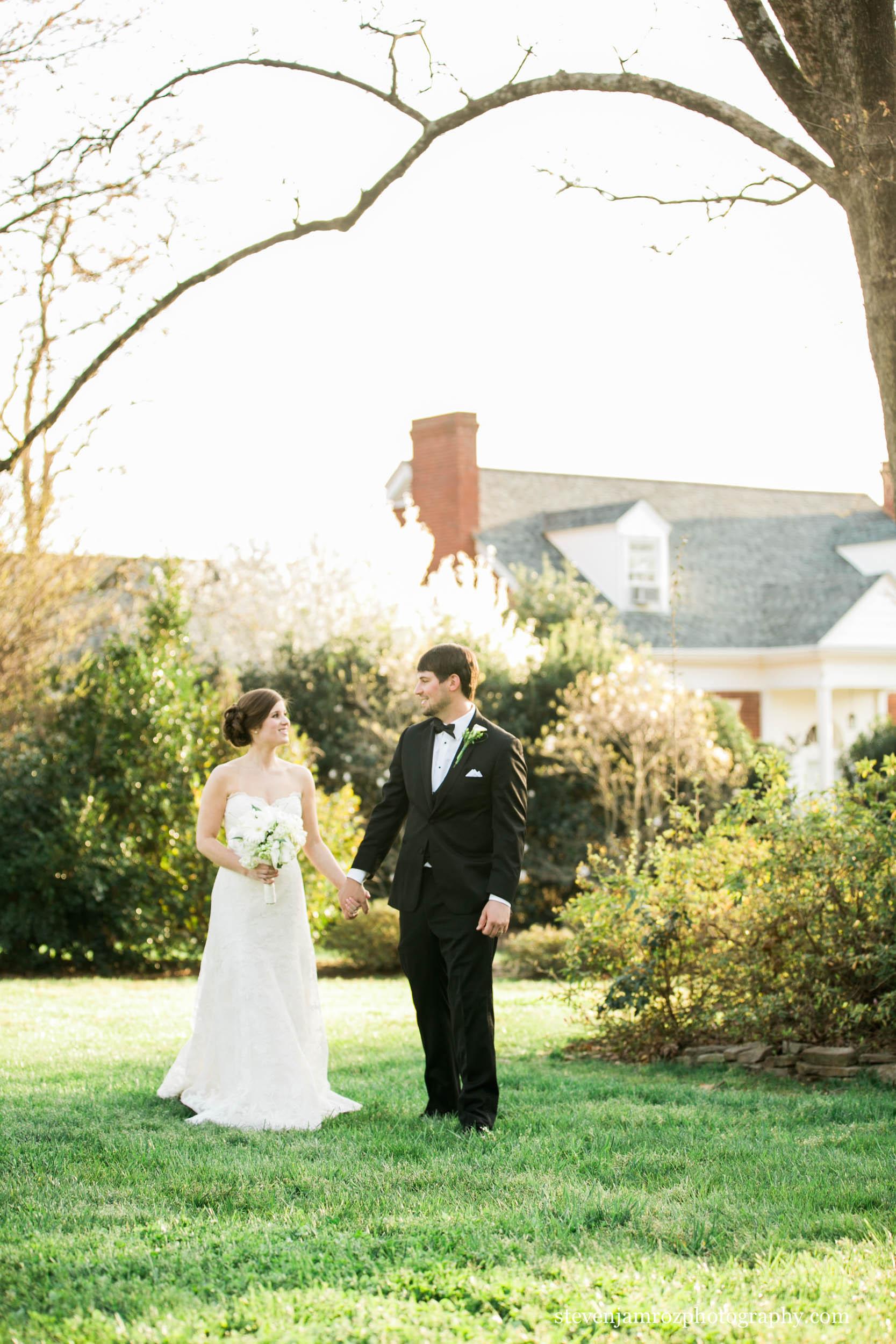 holding-hands-jones-chapel-wedding-raleigh-nc-meredith-0821.jpg