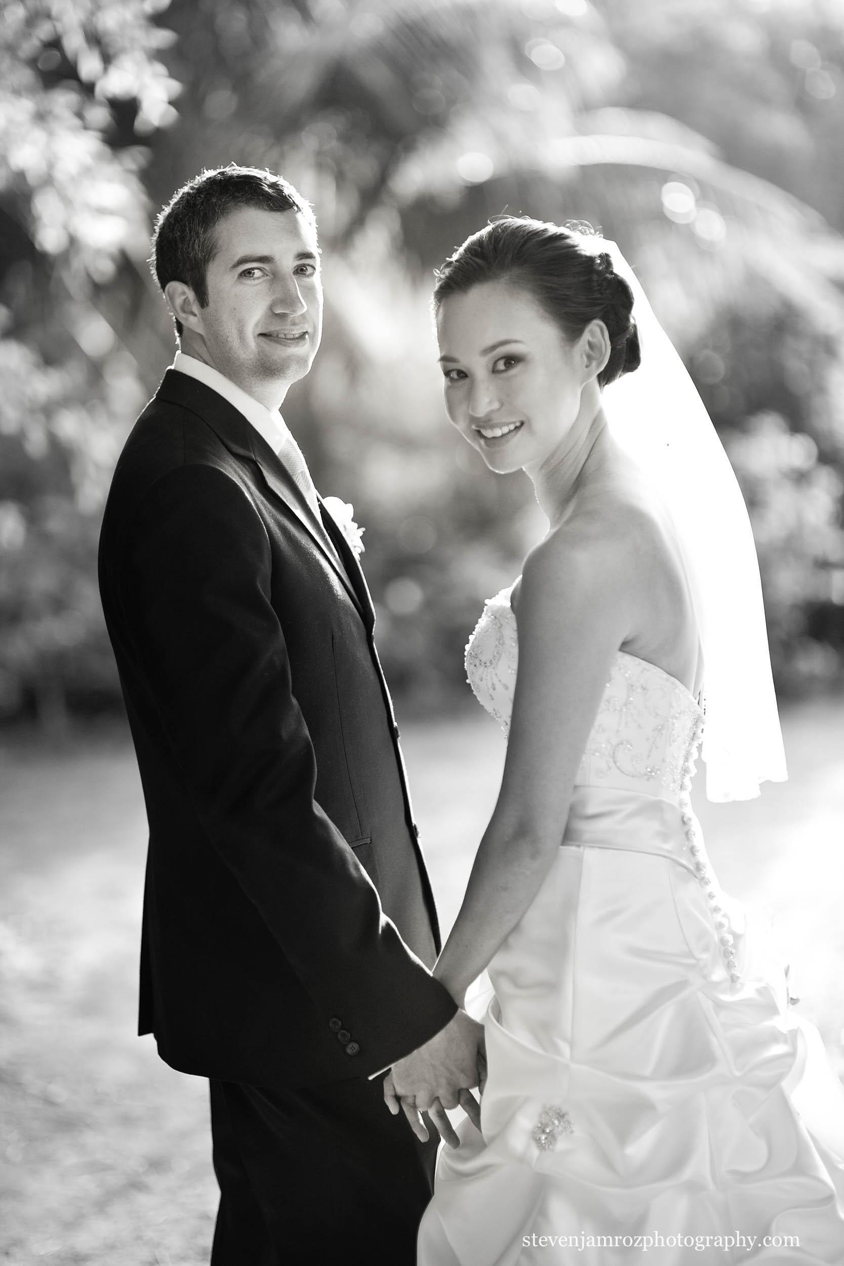 holding-hands-together-bride-groom-wedding-steven-jamroz-0687.jpg