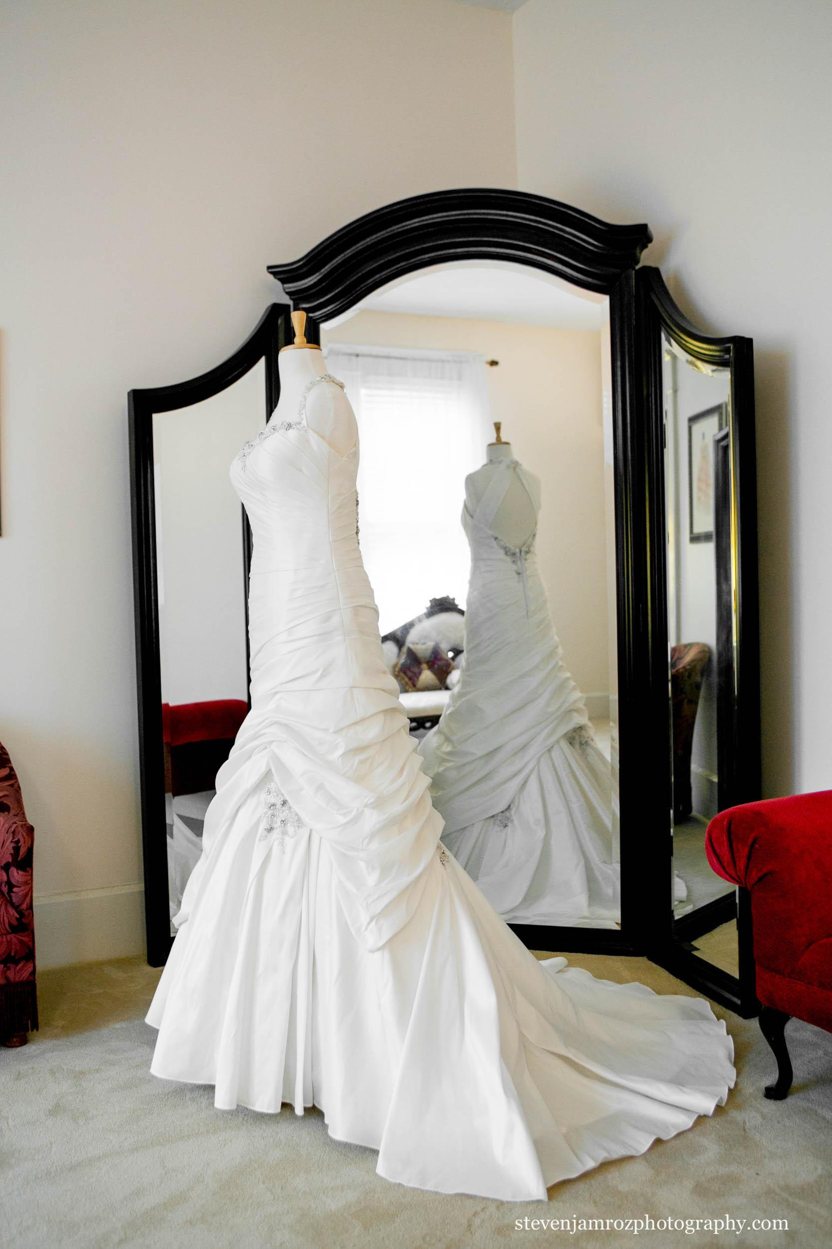 hudson-manor-bridal-room-wedding photographer-steven-jamroz-0644.jpg