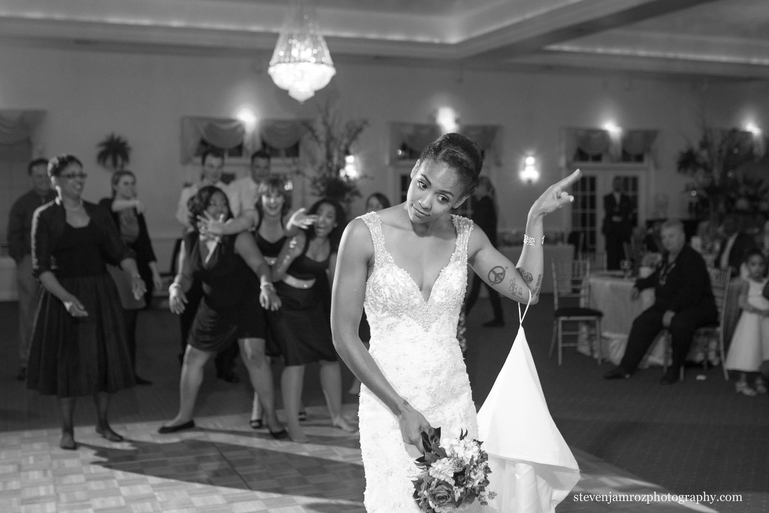 hudson-manor-estate-grand-ballroom-photography-wedding-0922.jpg