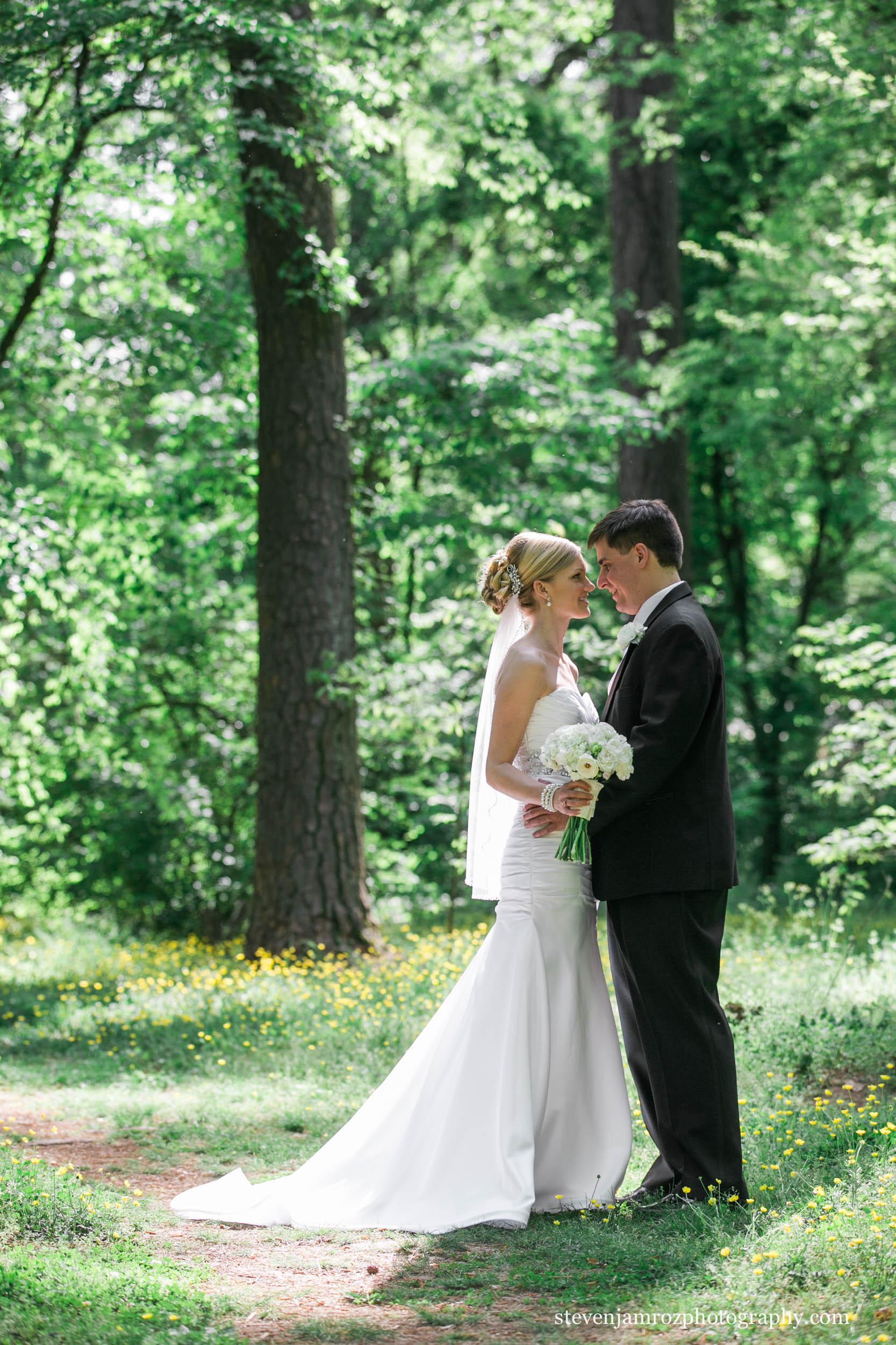 intimate-moment-couple-wedding-raleigh-steven-jamroz-photography-0306.jpg