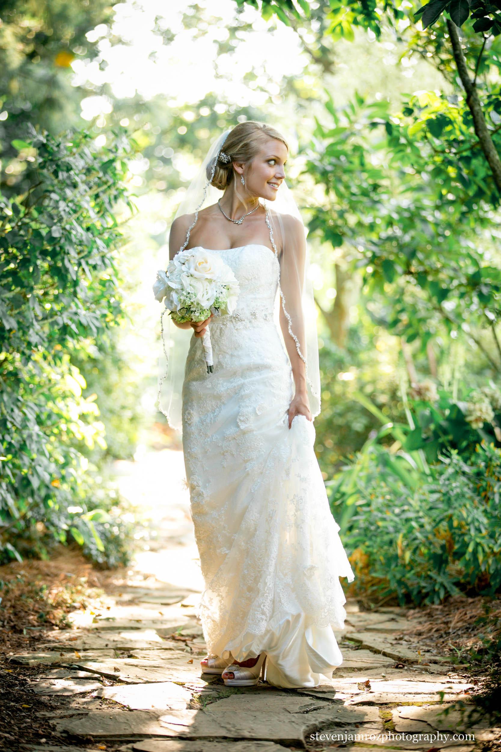 jc--raulston-bridal-portrait-pretty-bride-photographer-0945.jpg