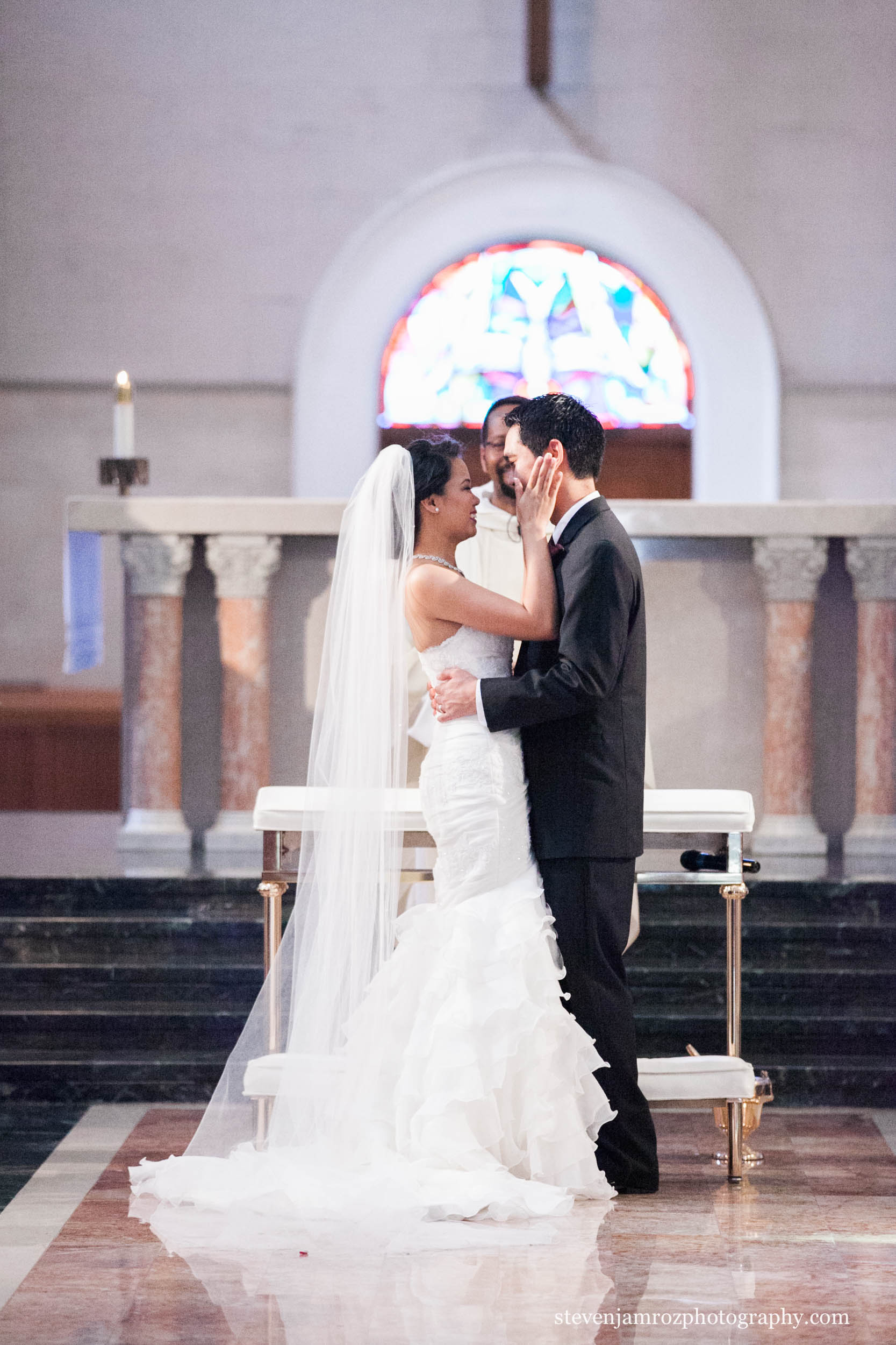 kiss-in-chapel-wedding-chapel-hill-steven-jamroz-photography-0233.jpg