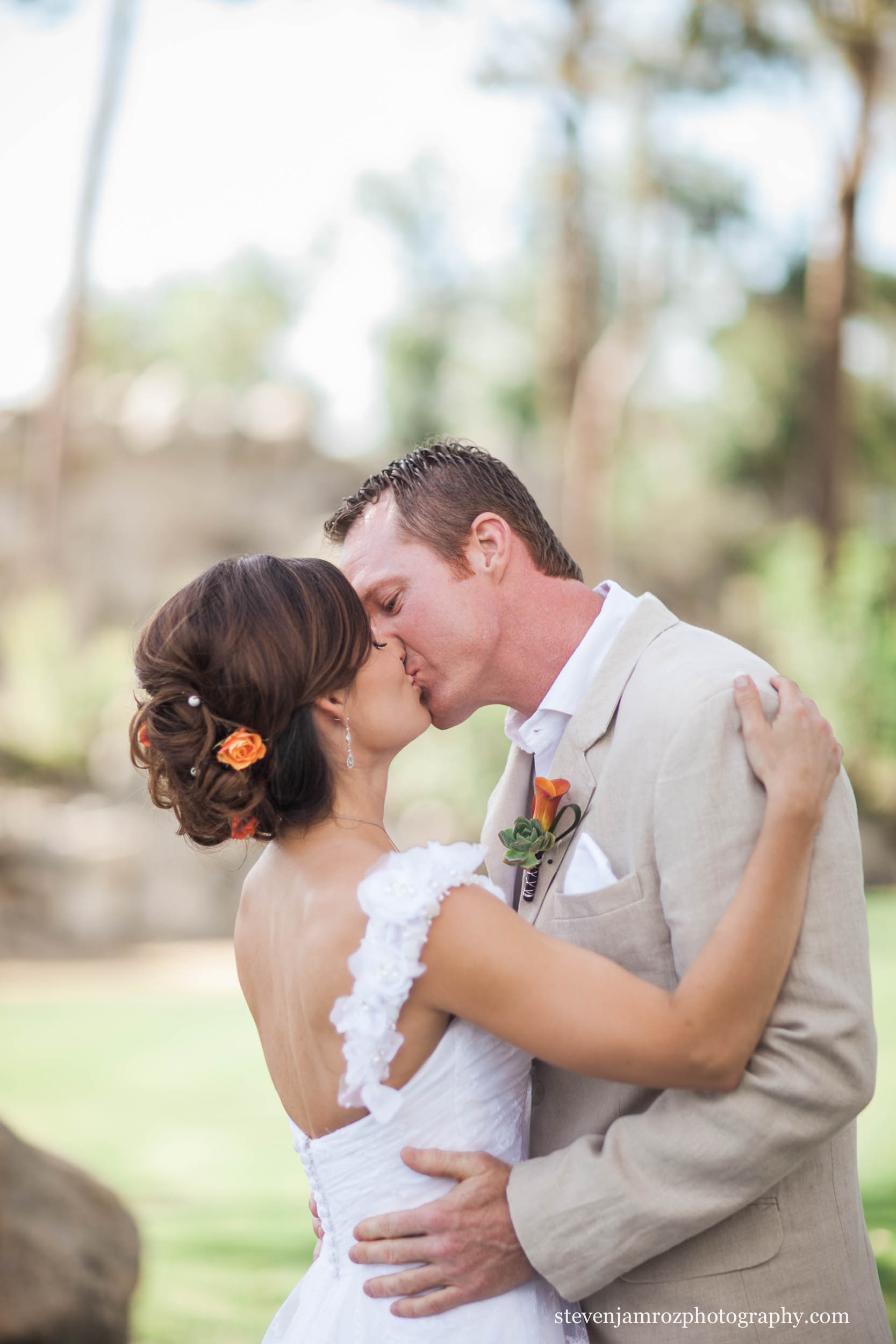 kiss-pretty-bride-groom-raleigh-steven-jamroz-photography-0008.jpg