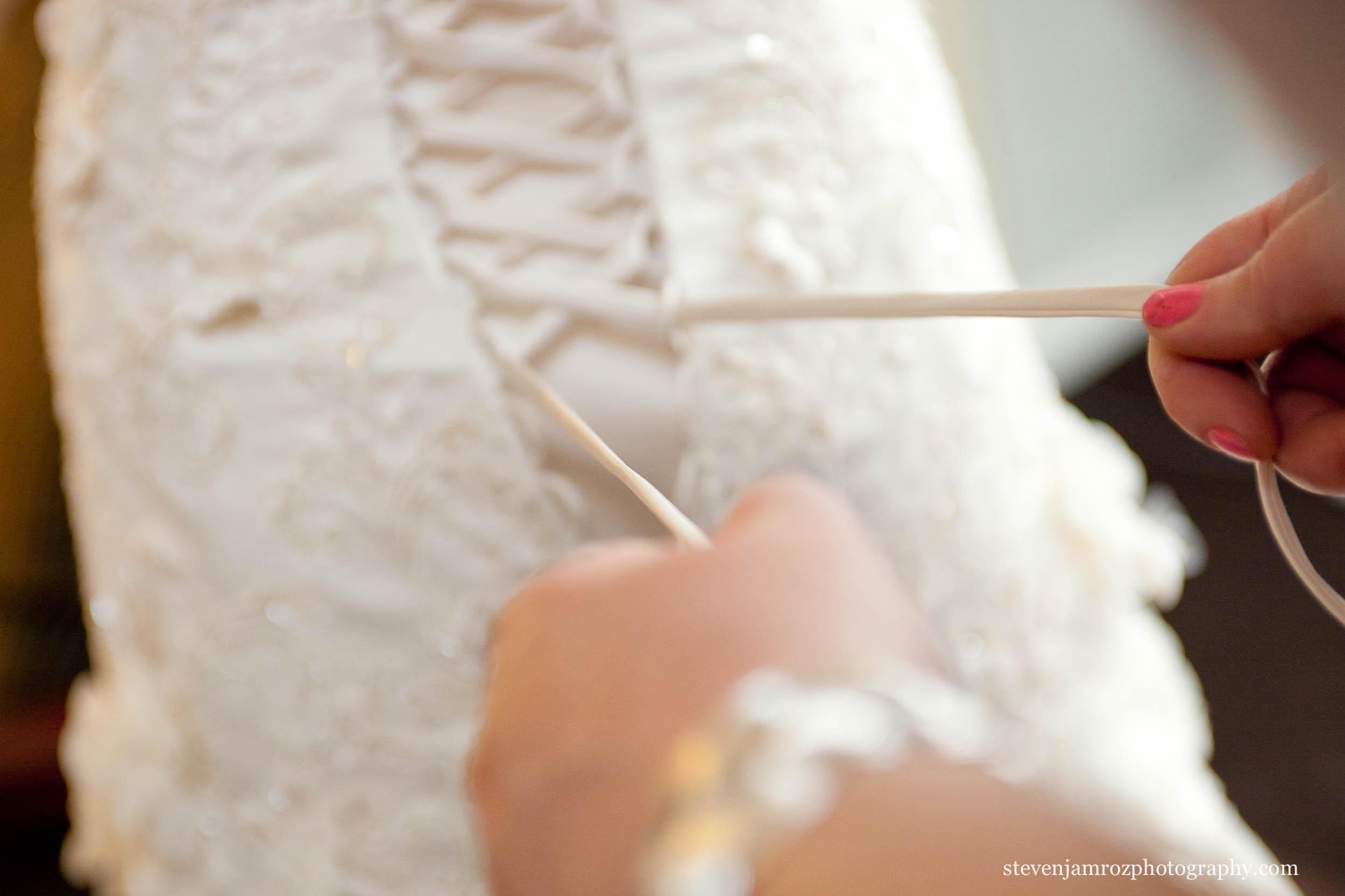 lacing-dress-bride-get-ready-raleigh-nc-0764.jpg