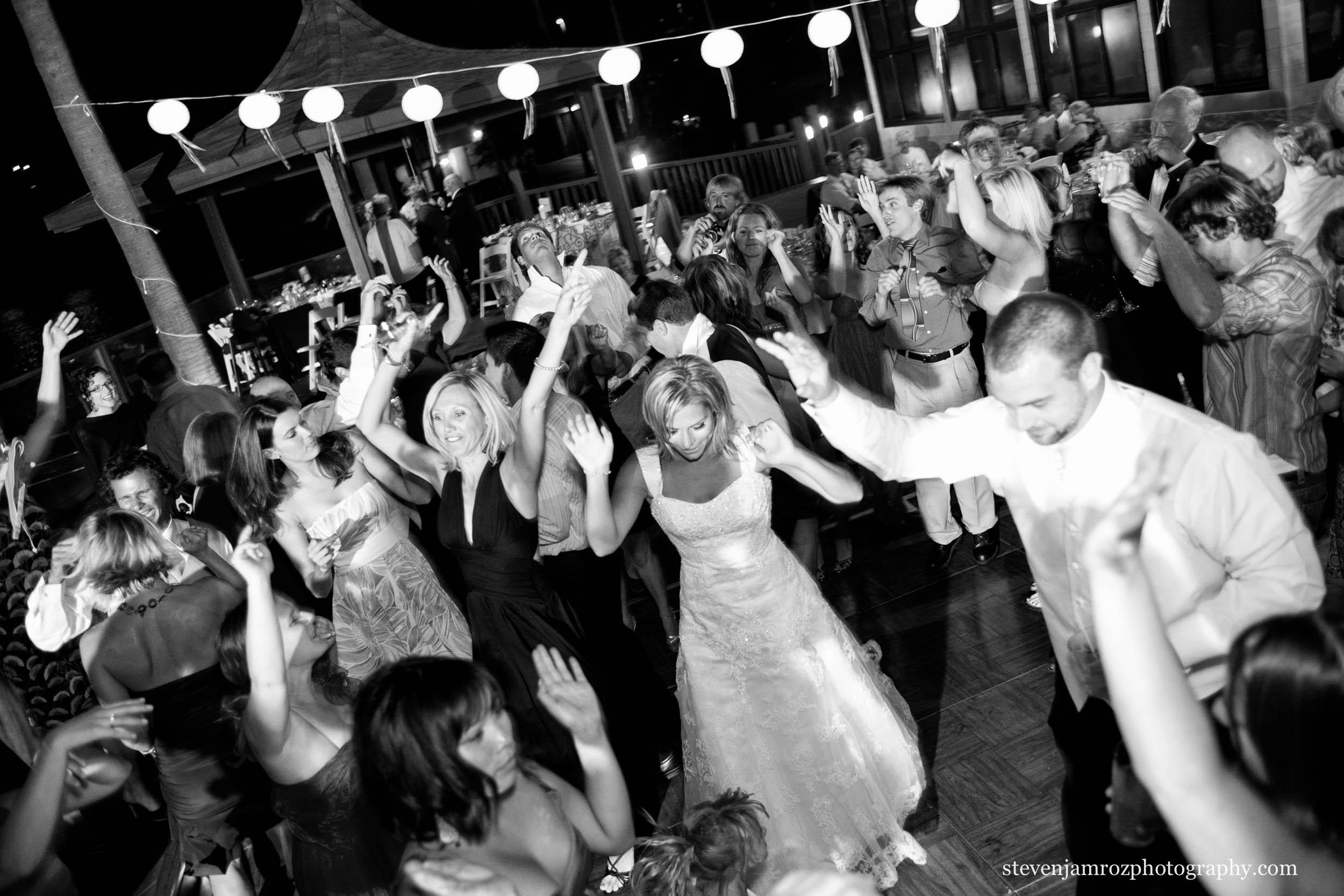 large-wedding-reception-dancing-raleigh-photographer-0842.jpg