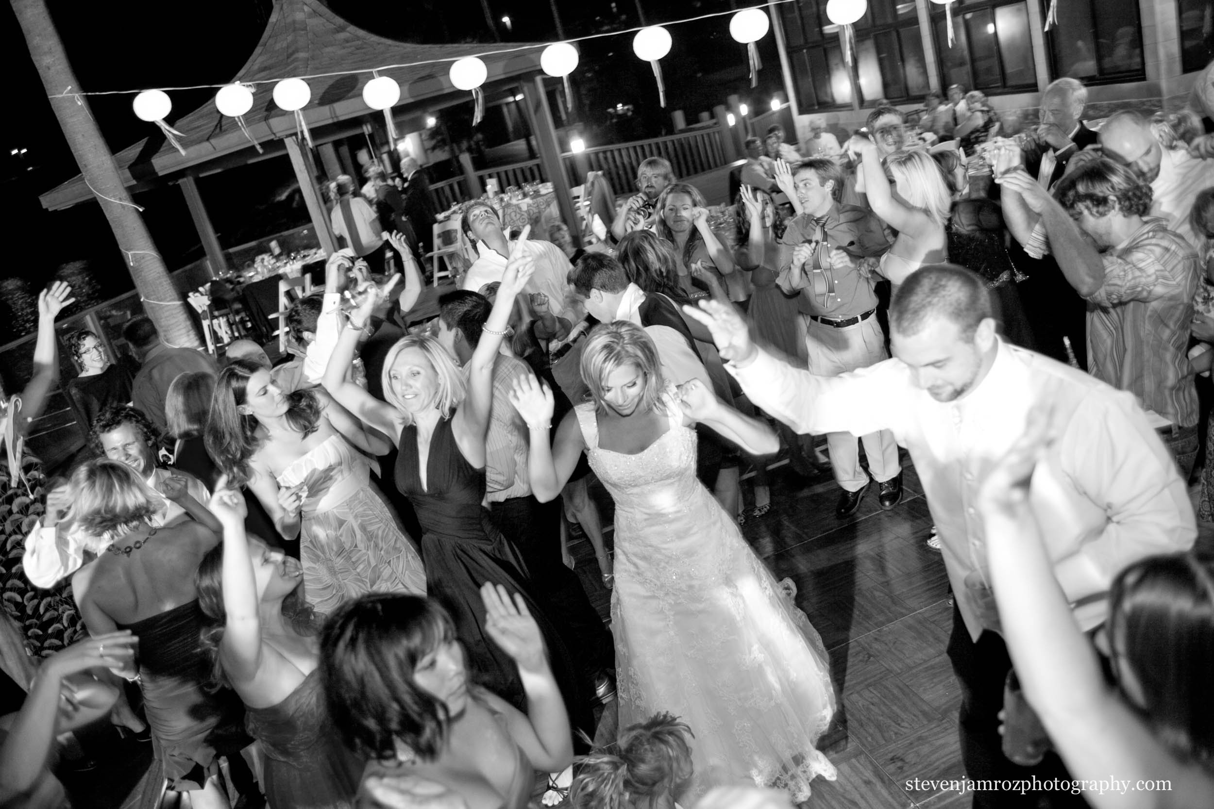 large-wedding-reception-party-steven-jamroz-photography-0513.jpg